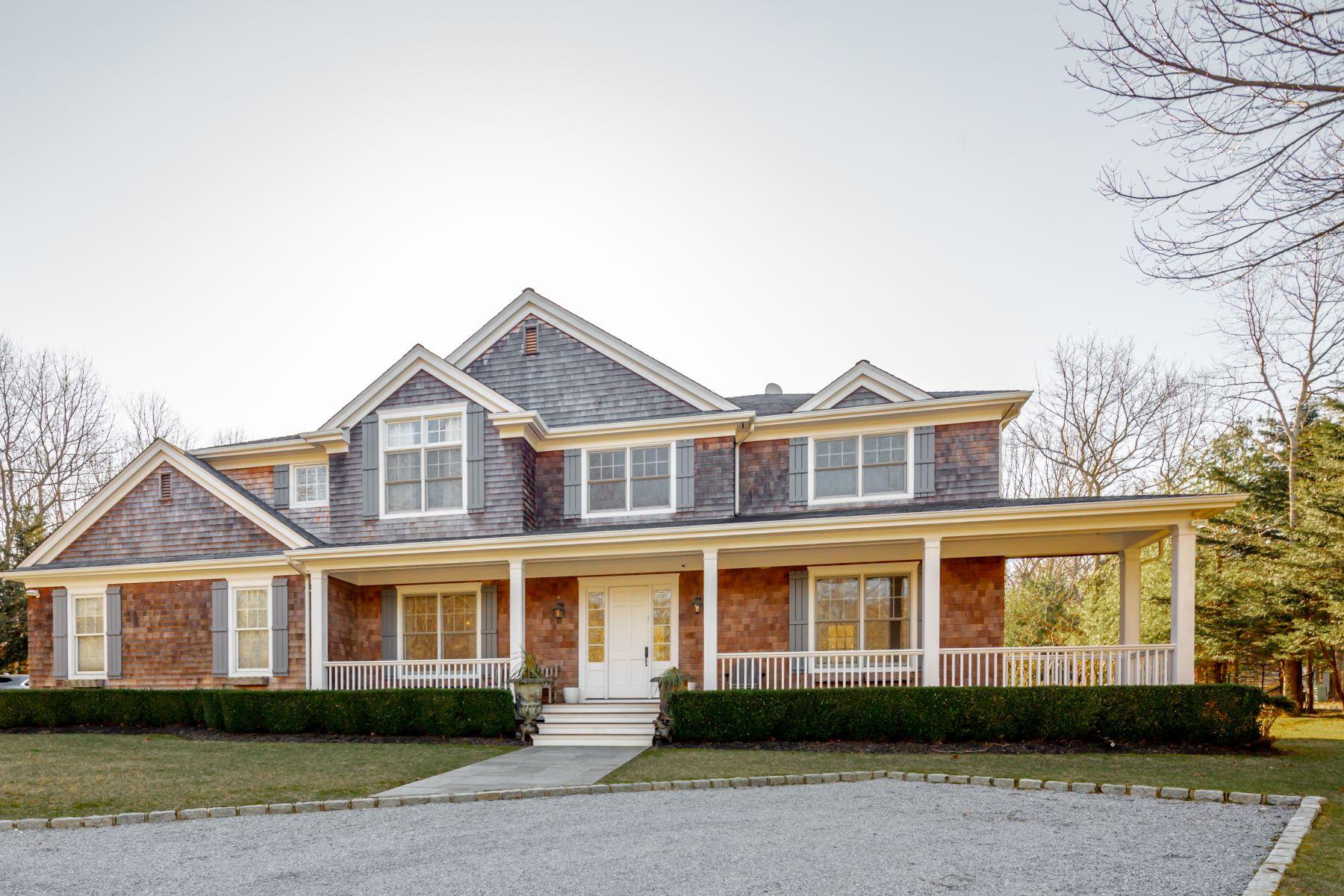 Single Family Homes 為 出售 在 CLASSIC WITH TENNIS IN SAG HARBOR 92 Old Noyack Path, Sag Harbor, 纽约 11963 美國