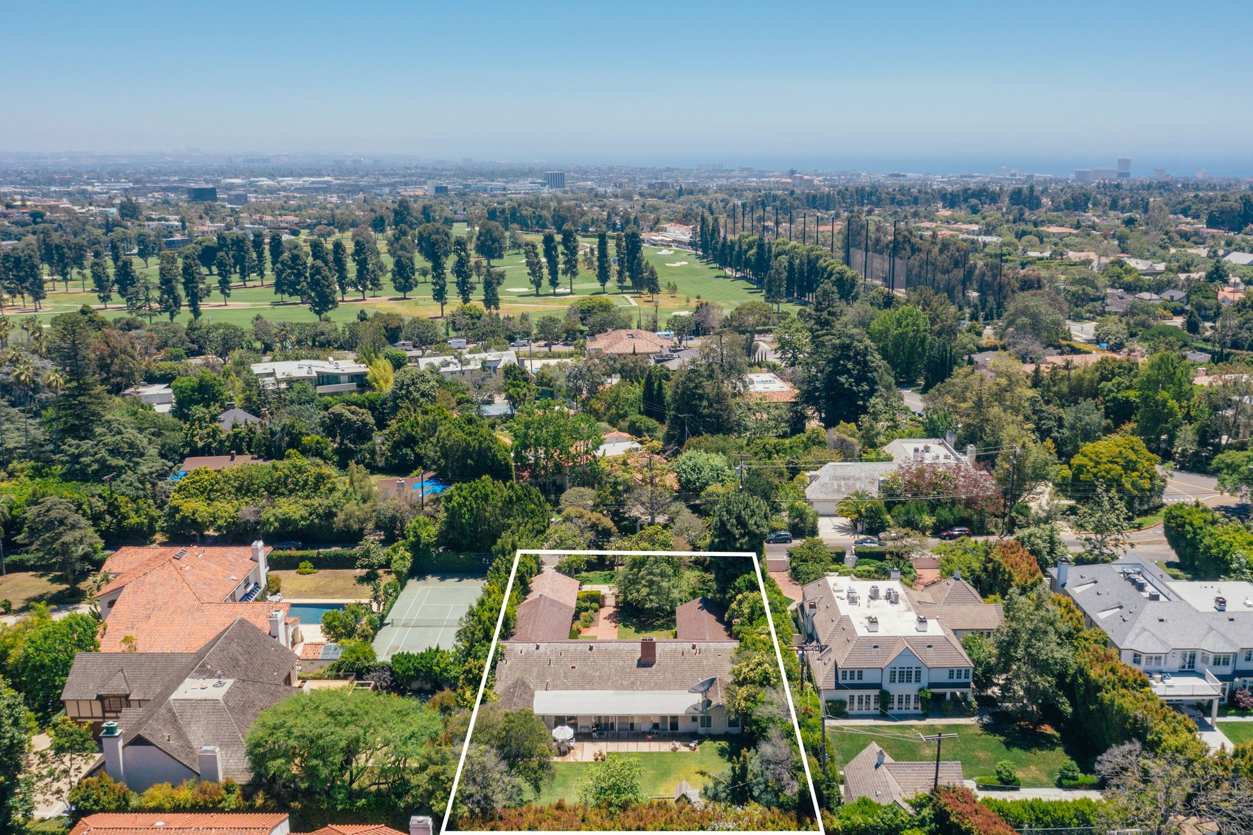 Single Family Homes for Active at 12731 Evanston Street Los Angeles, California 90049 United States