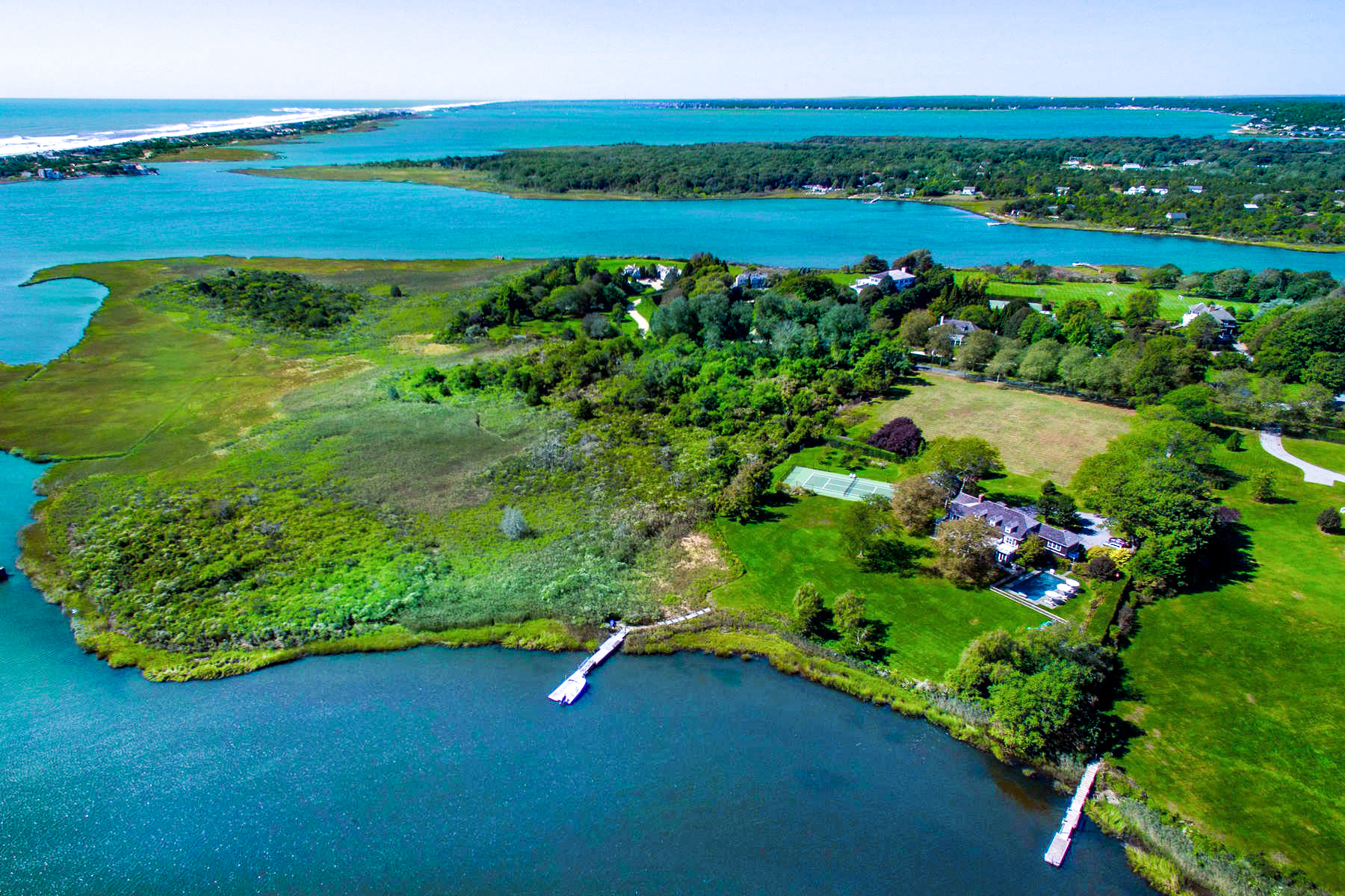 Single Family Homes for Active at Captains Neck Waterfront Estate W/ Dock 520 Captains Neck Lane Southampton, New York 11968 United States