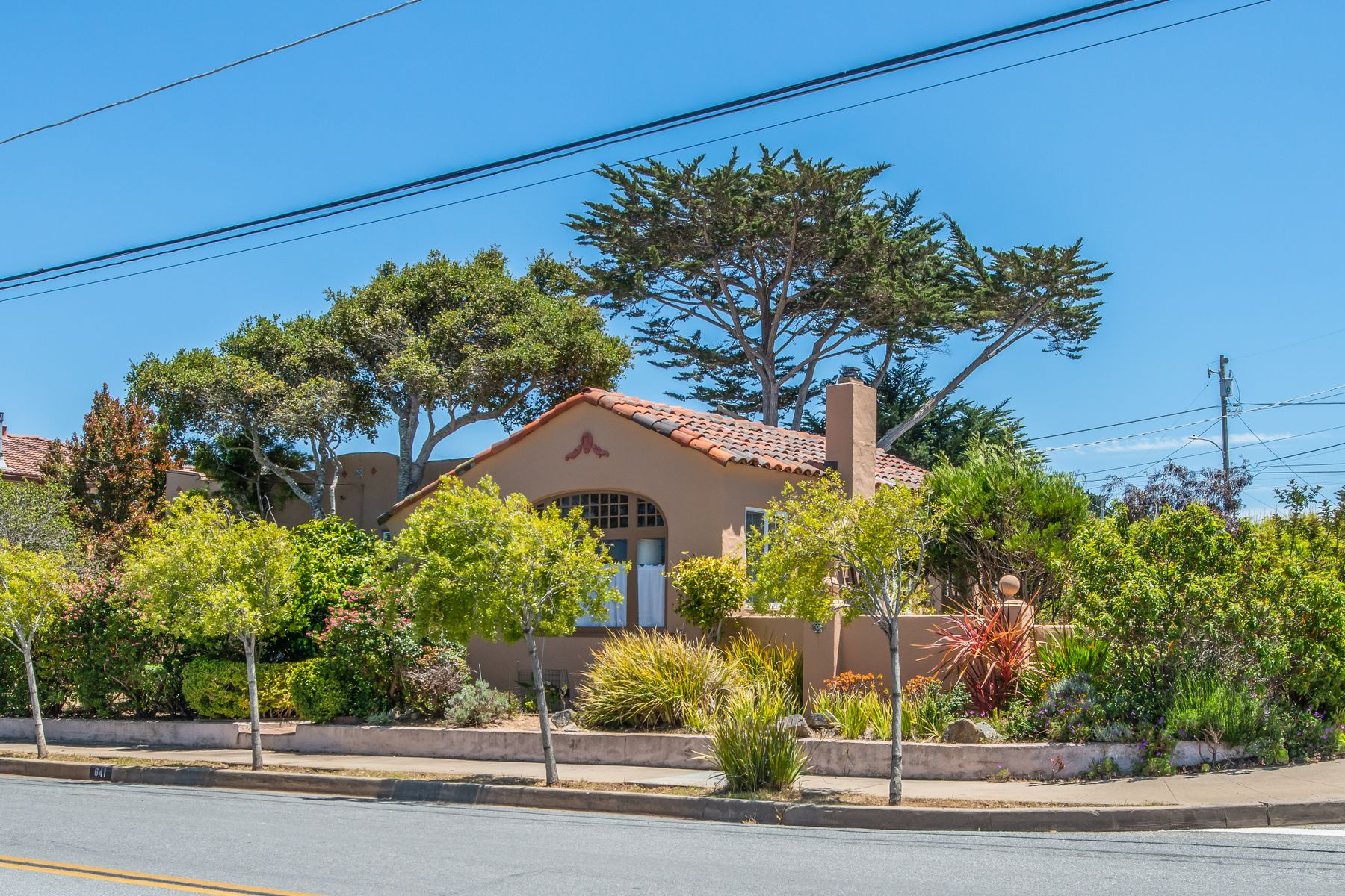 Single Family Homes for Sale at Charming Mediterranean 641 Eardley Avenue Pacific Grove, California 93950 United States