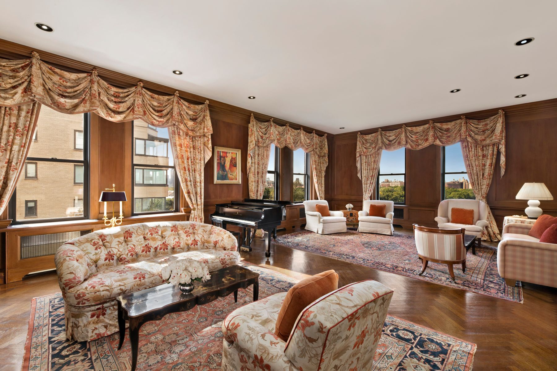 Co-op Properties for Sale at 1060 Fifth Avenue 10B New York, New York 10128 United States