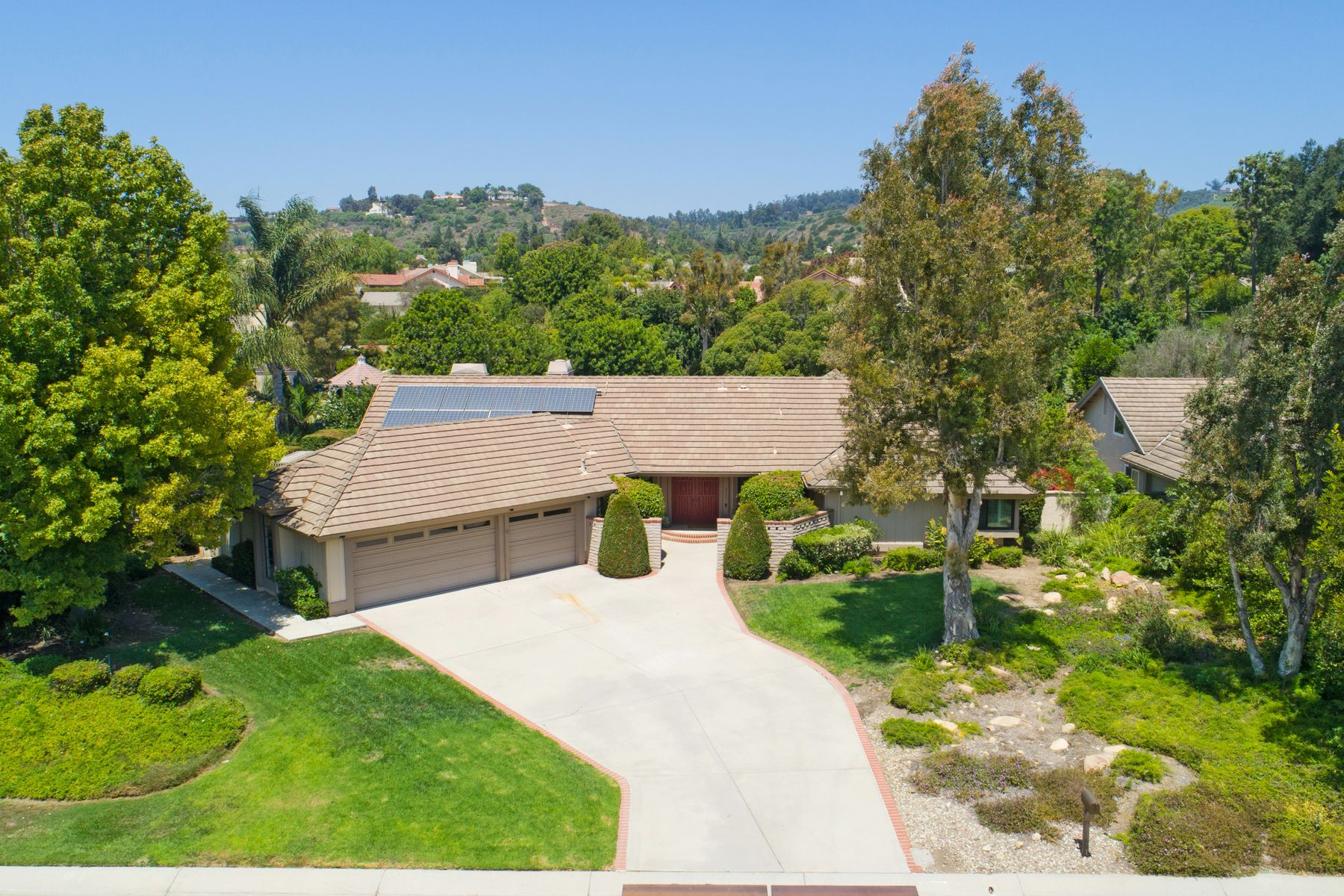 Single Family Homes for Sale at One-Story Home in Camarillo 6551 San Onofre Drive Camarillo, California 93012 United States