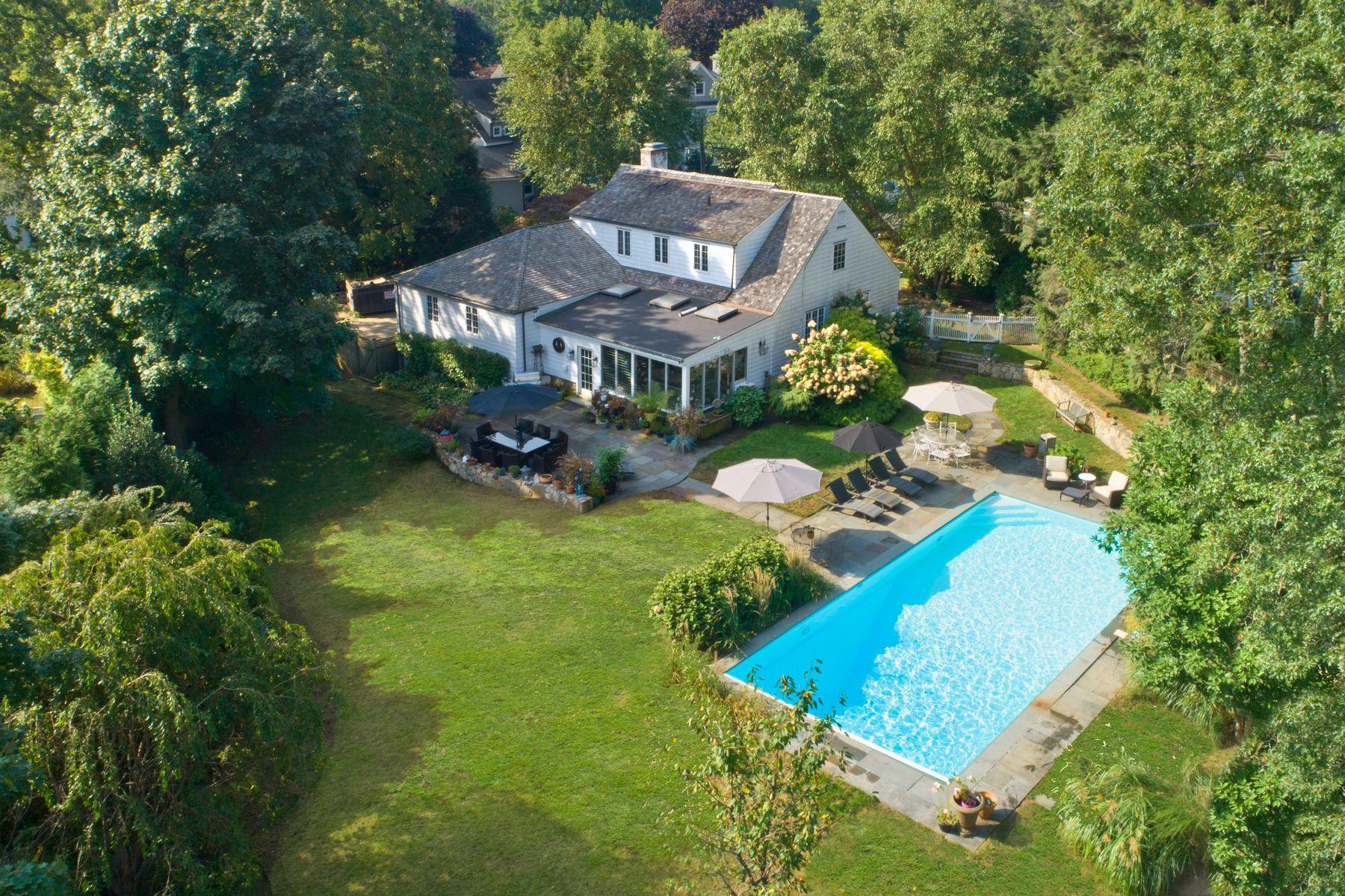 Single Family Homes 为 销售 在 16 Ben Court 旧格林威治, 康涅狄格州 06870 美国