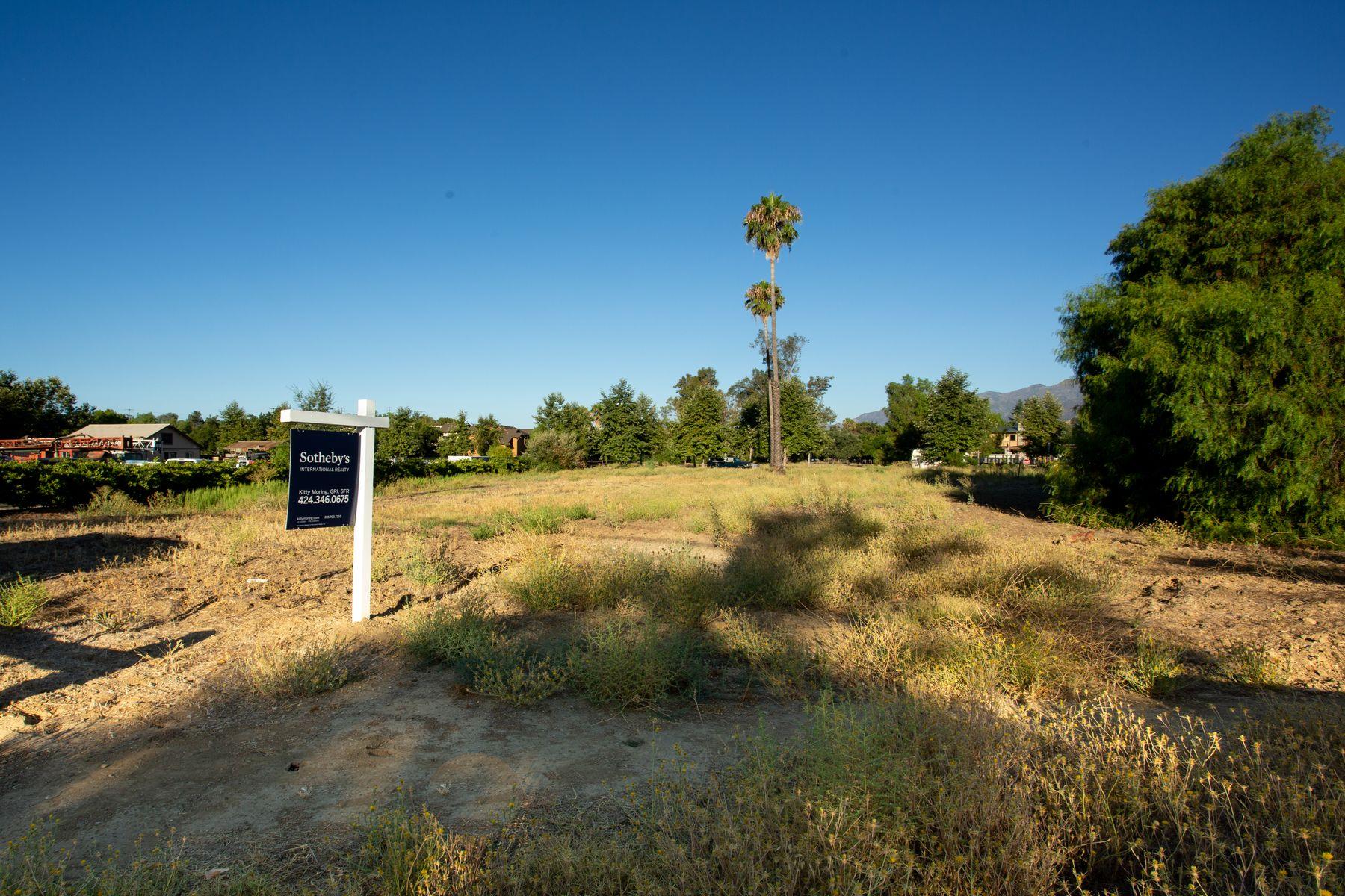 土地,用地 为 销售 在 1.4 acres Prime Development Site 323 Bryant Street 奥海镇, 加利福尼亚州 93023 美国