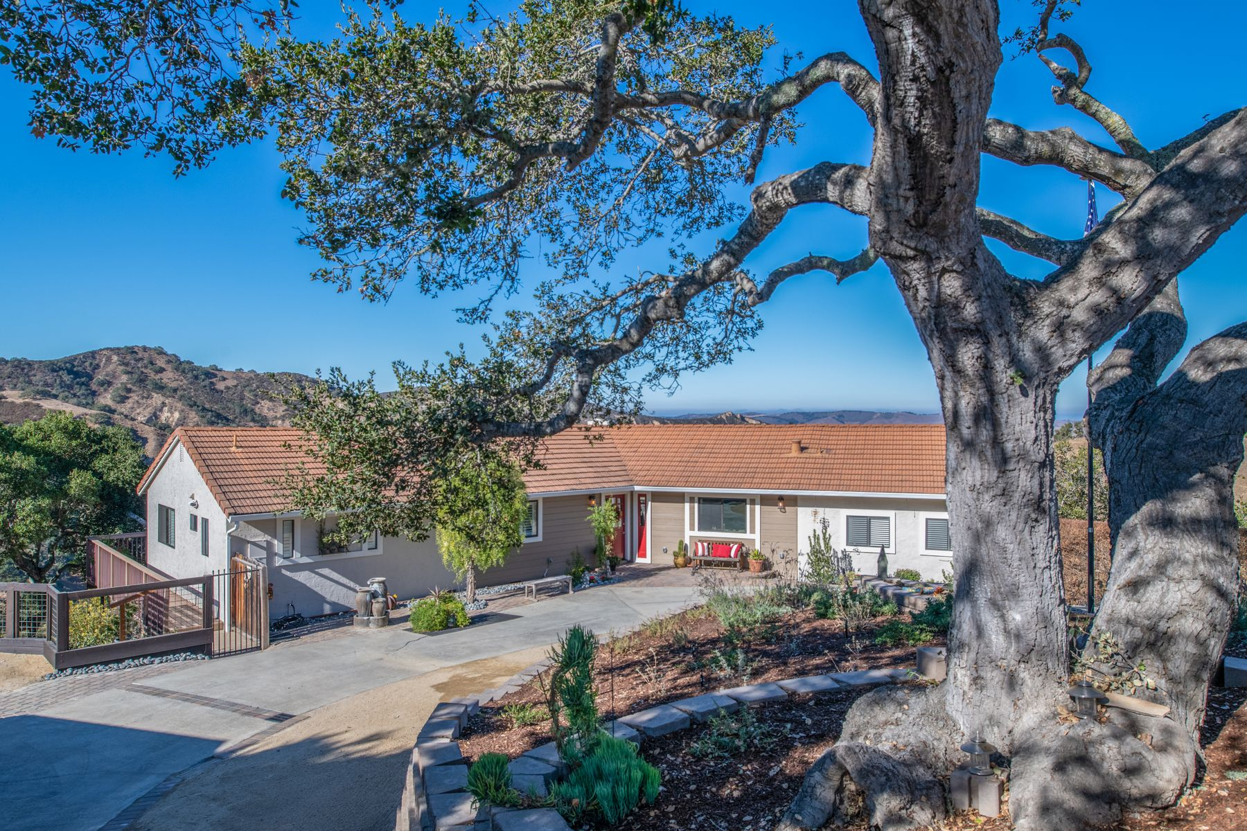 Single Family Homes for Sale at MAGNIFICENT VIEWS OF VALLEY & MOUNTAINS 225 San Benancio Road Salinas, California 93908 United States