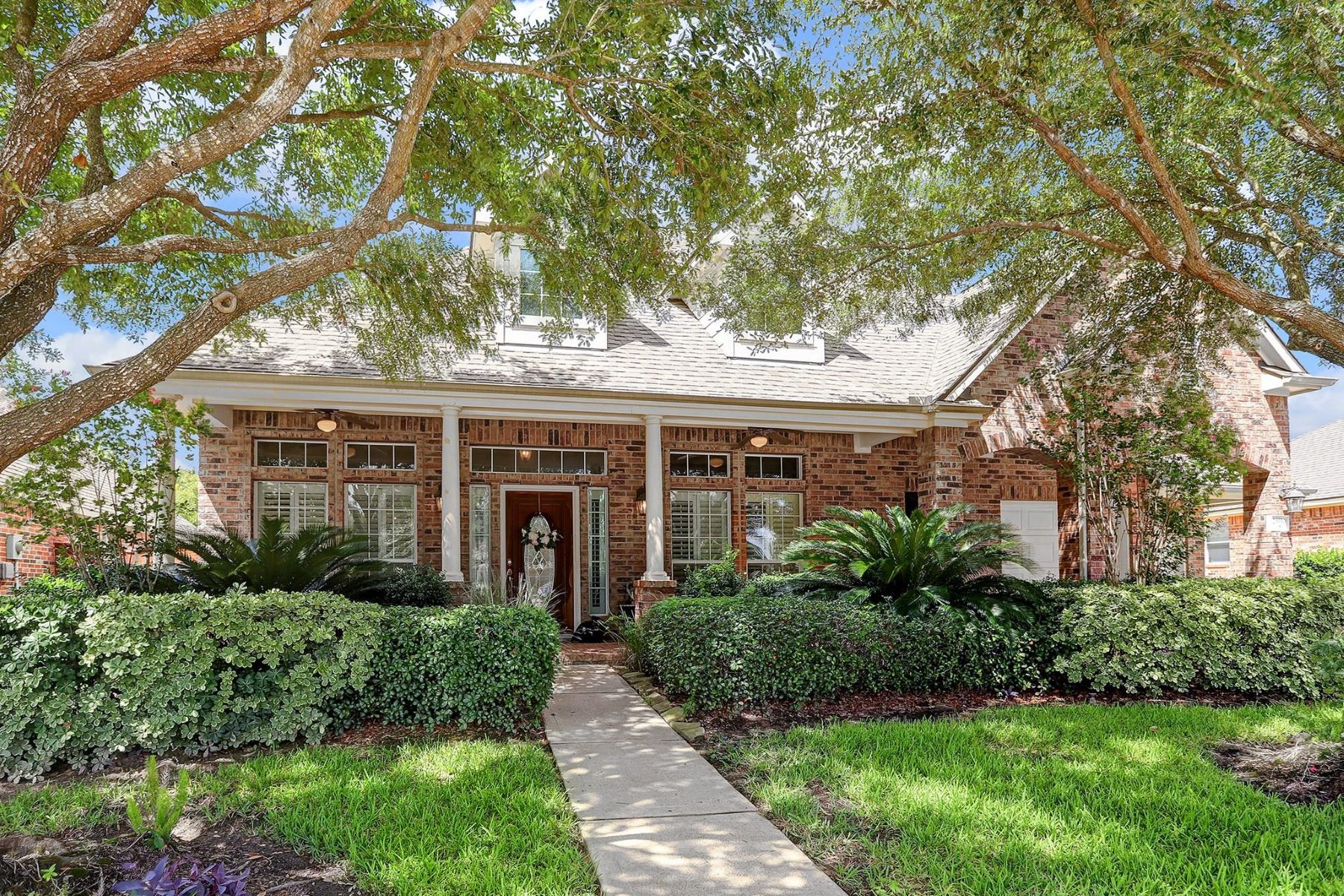 Single Family Homes for Sale at 26930 Temple Park Lane 26930 Temple Park Laane Cypress, Texas 77433 United States