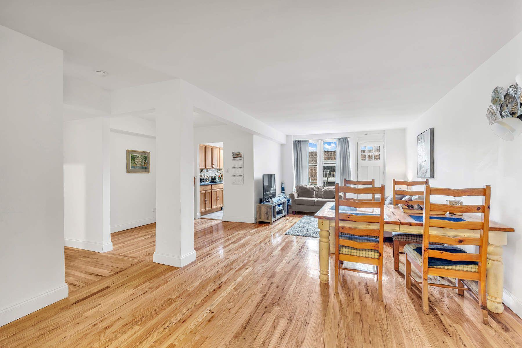 Property för Försäljning vid 62-59 108th Street, Apt. 7H 62-59 108th Street Apt 7H, Forest Hills, New York 11375 Förenta staterna