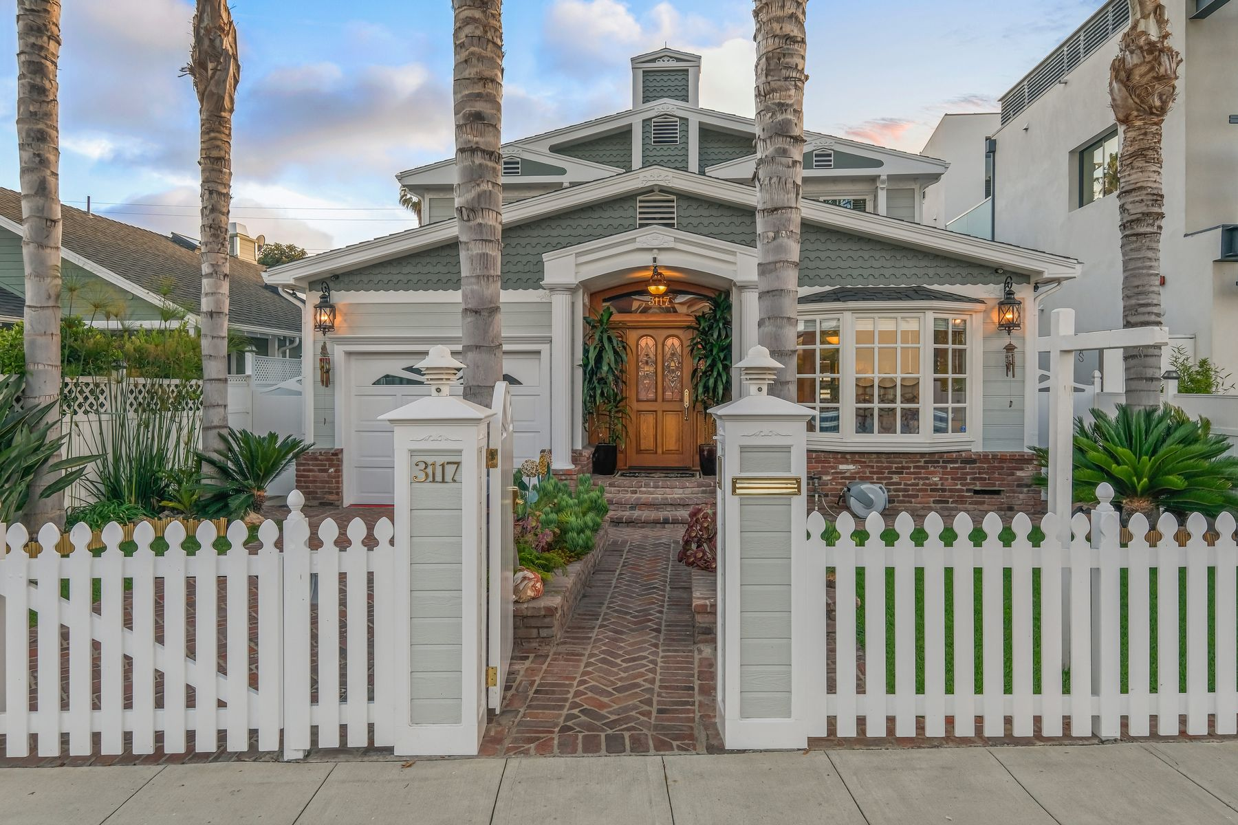 Single Family Homes for Sale at 3117 Yale Avenue Marina Del Rey, California 90292 United States