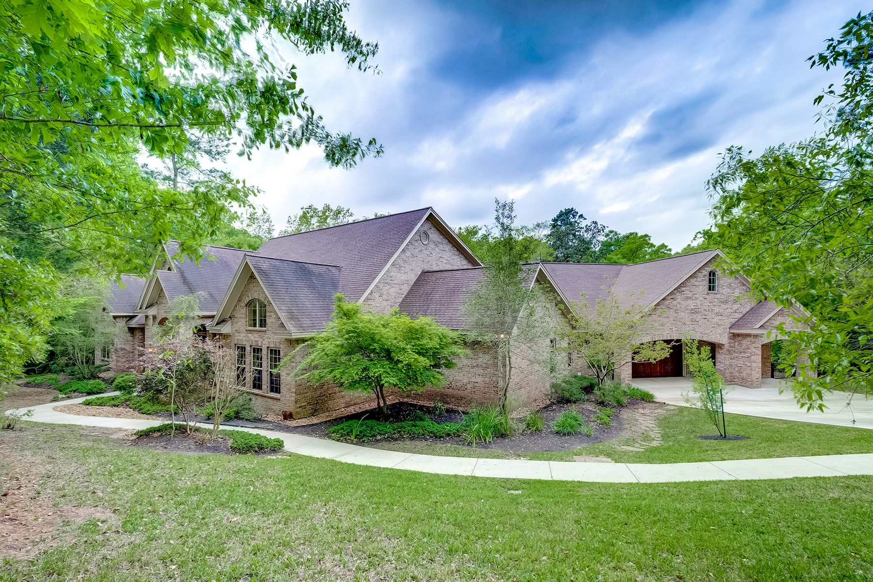 Single Family Homes for Active at 7421 Enchanted Stream Drive Conroe, Texas 77304 United States