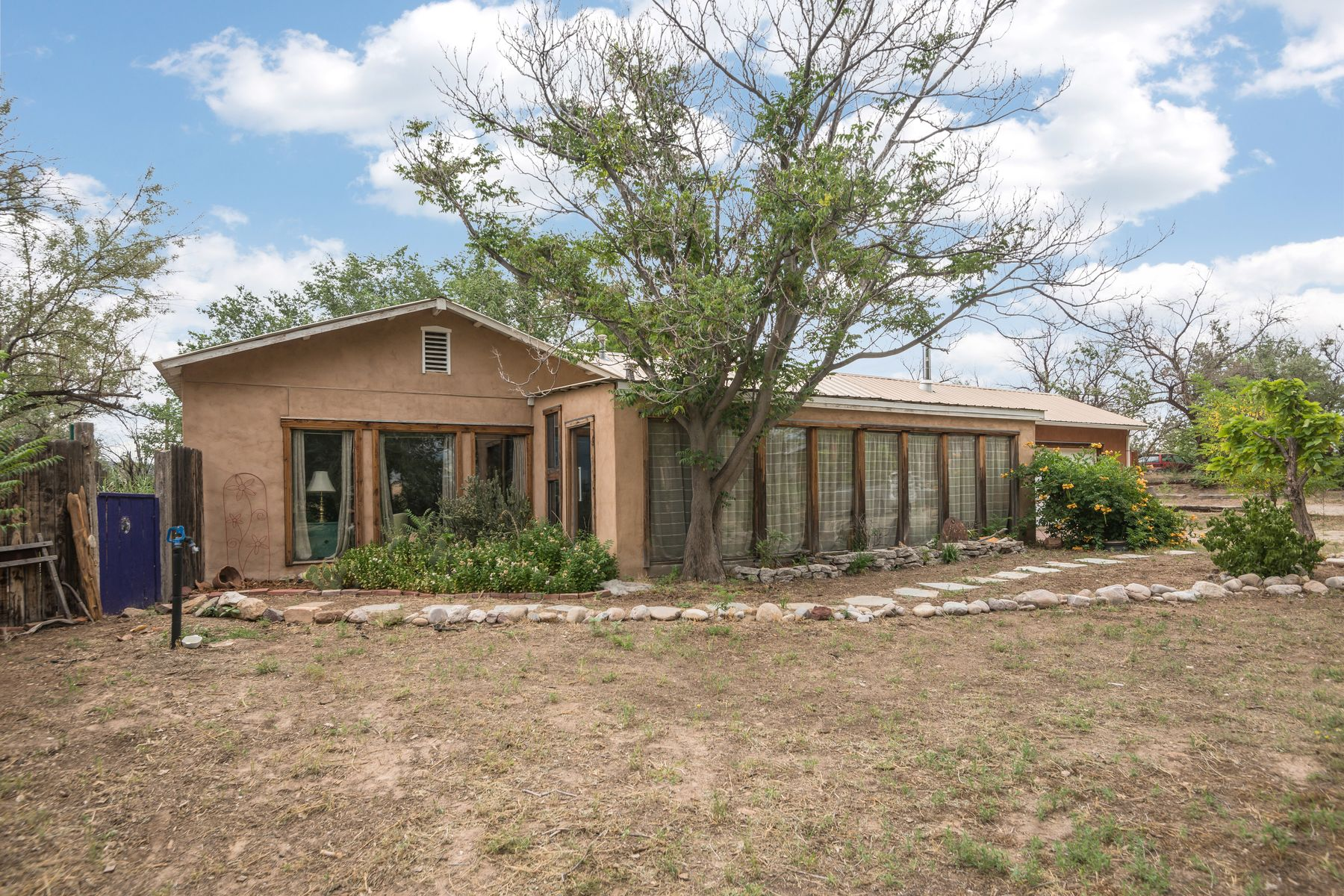 Single Family Homes per Vendita alle ore Alcalde, Nuovo Messico 87511 Stati Uniti
