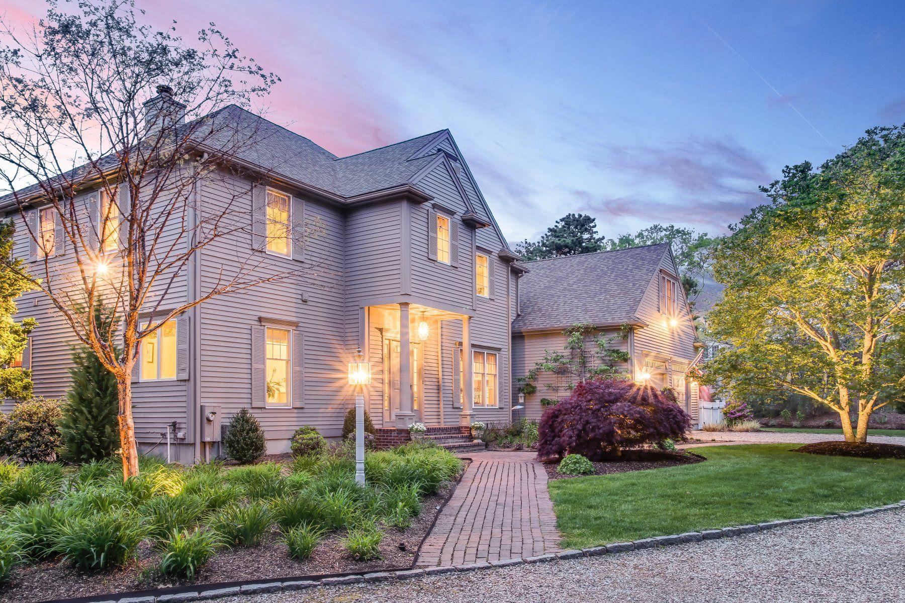 Single Family Homes por un Venta en Luxury Contemporary Living 374 Cairn Ridge Road East Falmouth, Massachusetts 02536 Estados Unidos