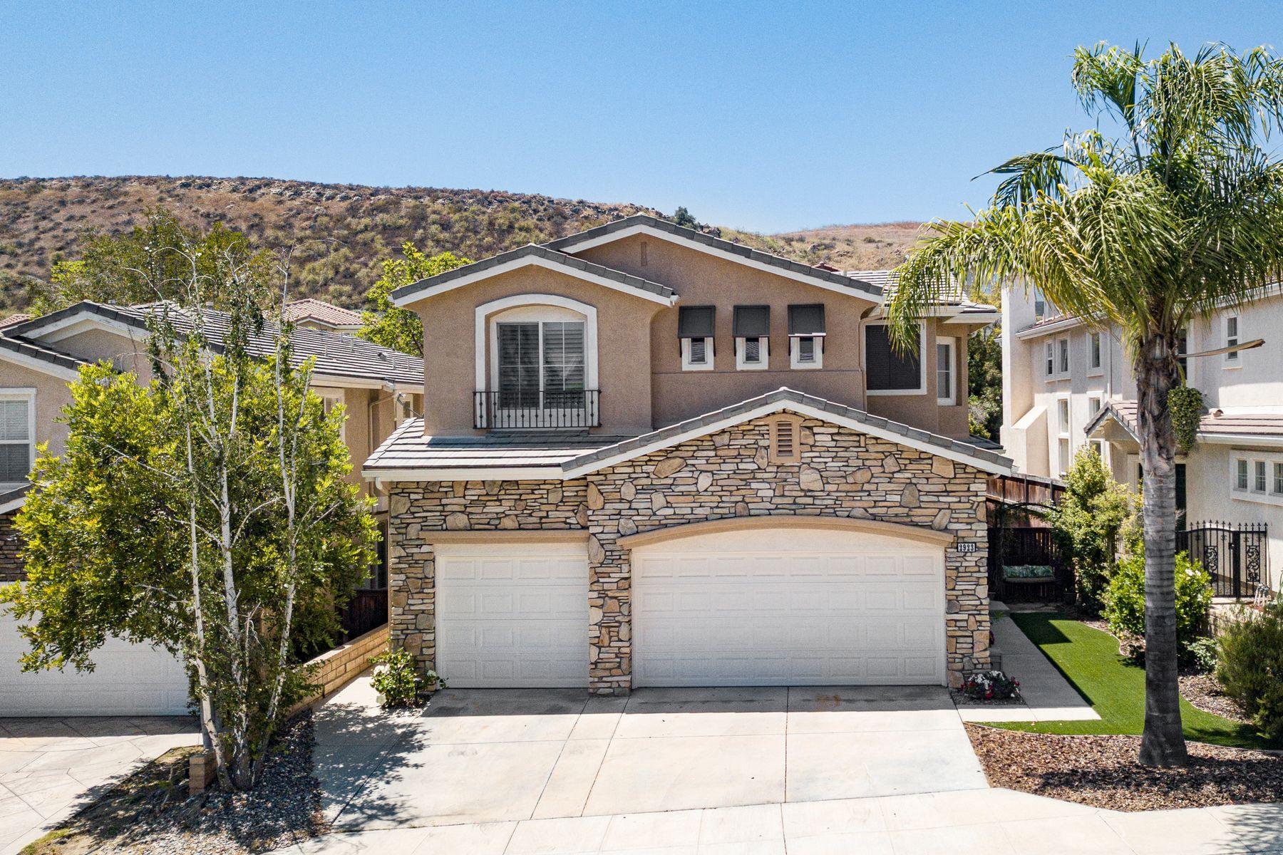 Single Family Homes for Sale at Elegant, Upgraded & Gated Bellagio Home 2923 Arbella Lane Thousand Oaks, California 91362 United States