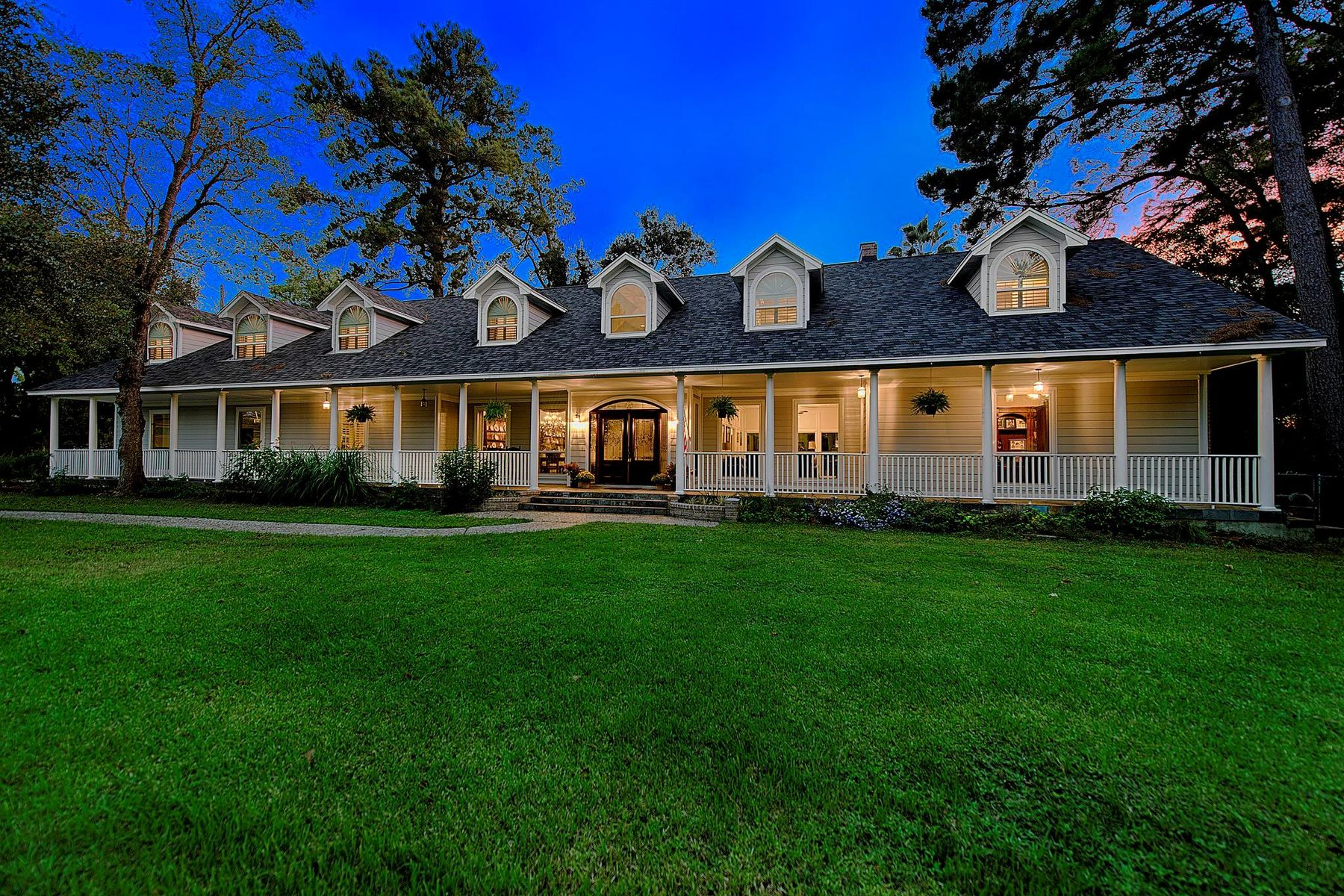Single Family Homes for Sale at 8202 Creekside Timbers Drive Spring, Texas 77379 United States