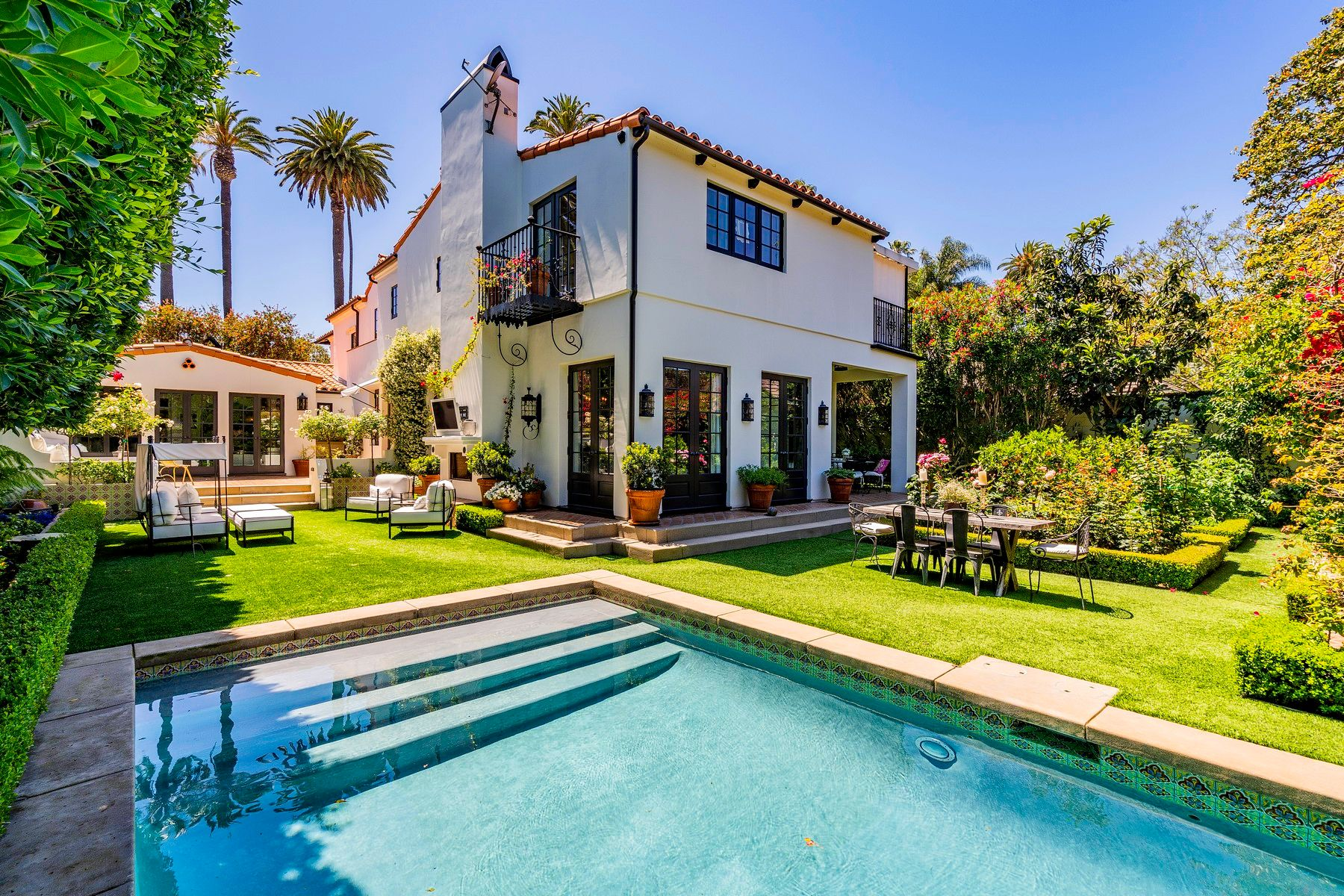 Single Family Homes for Sale at 510 N Hillcrest Rd 510 N Hillcrest Road Beverly Hills, California 90210 United States