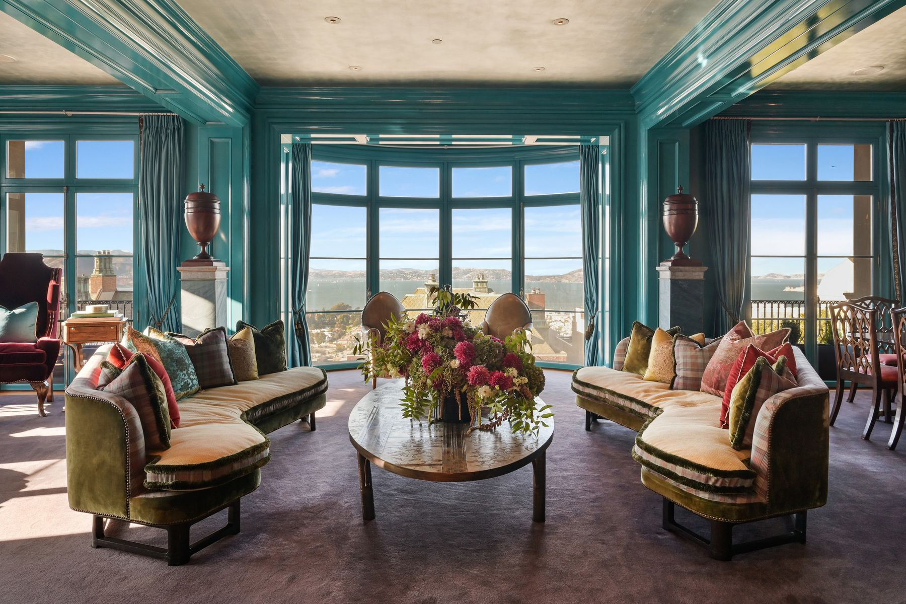 Additional photo for property listing at Bay View Mansion On Legendary Gold Coast 2799 Broadway San Francisco, California 94115 Estados Unidos