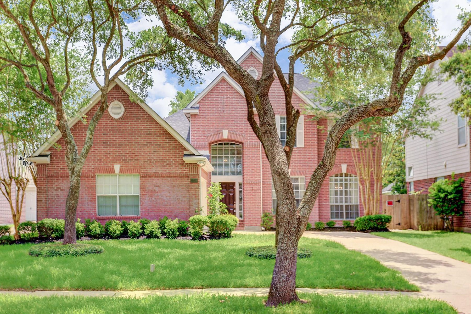 Single Family Homes for Sale at 4915 Winding River Drive Sugar Land, Texas 77478 United States