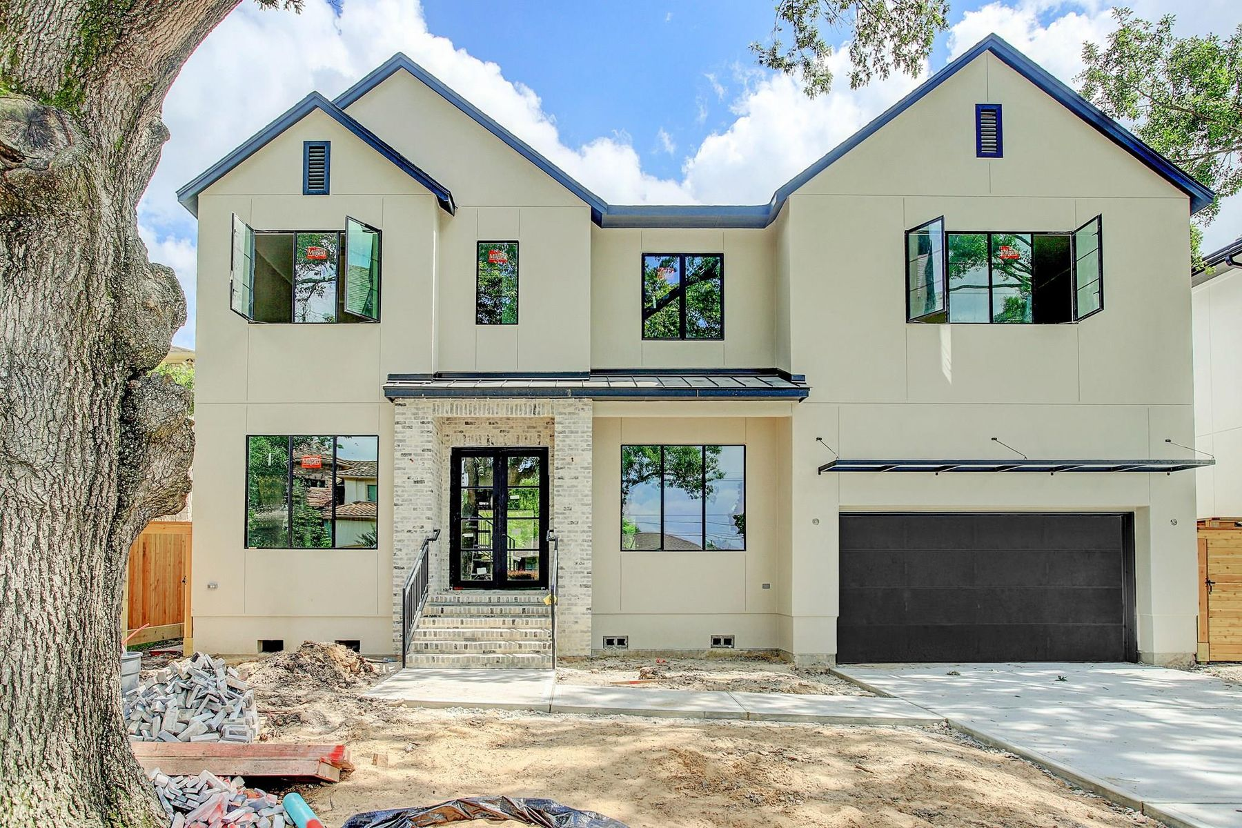 Single Family Homes for Sale at 5131 Mimosa Drive Bellaire, Texas 77401 United States