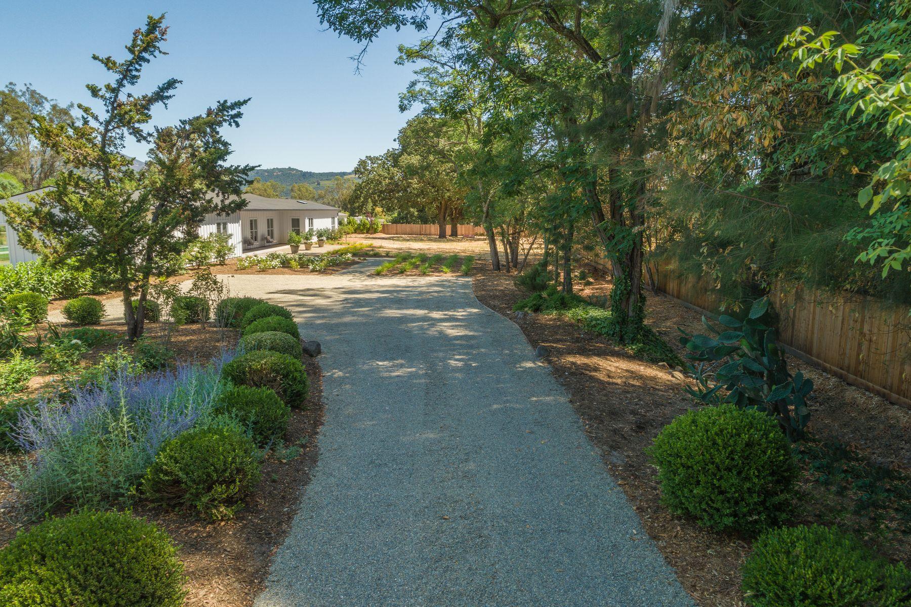 Single Family Homes por un Venta en 19205 Orange Avenue 19205 Orange Ave Sonoma, California 95476 Estados Unidos