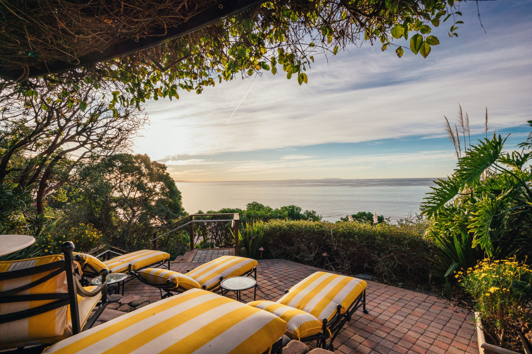 Additional photo for property listing at Mar de Amor 27930 Pacific Coast Highway, Malibu, Kalifornien 90265 Förenta staterna