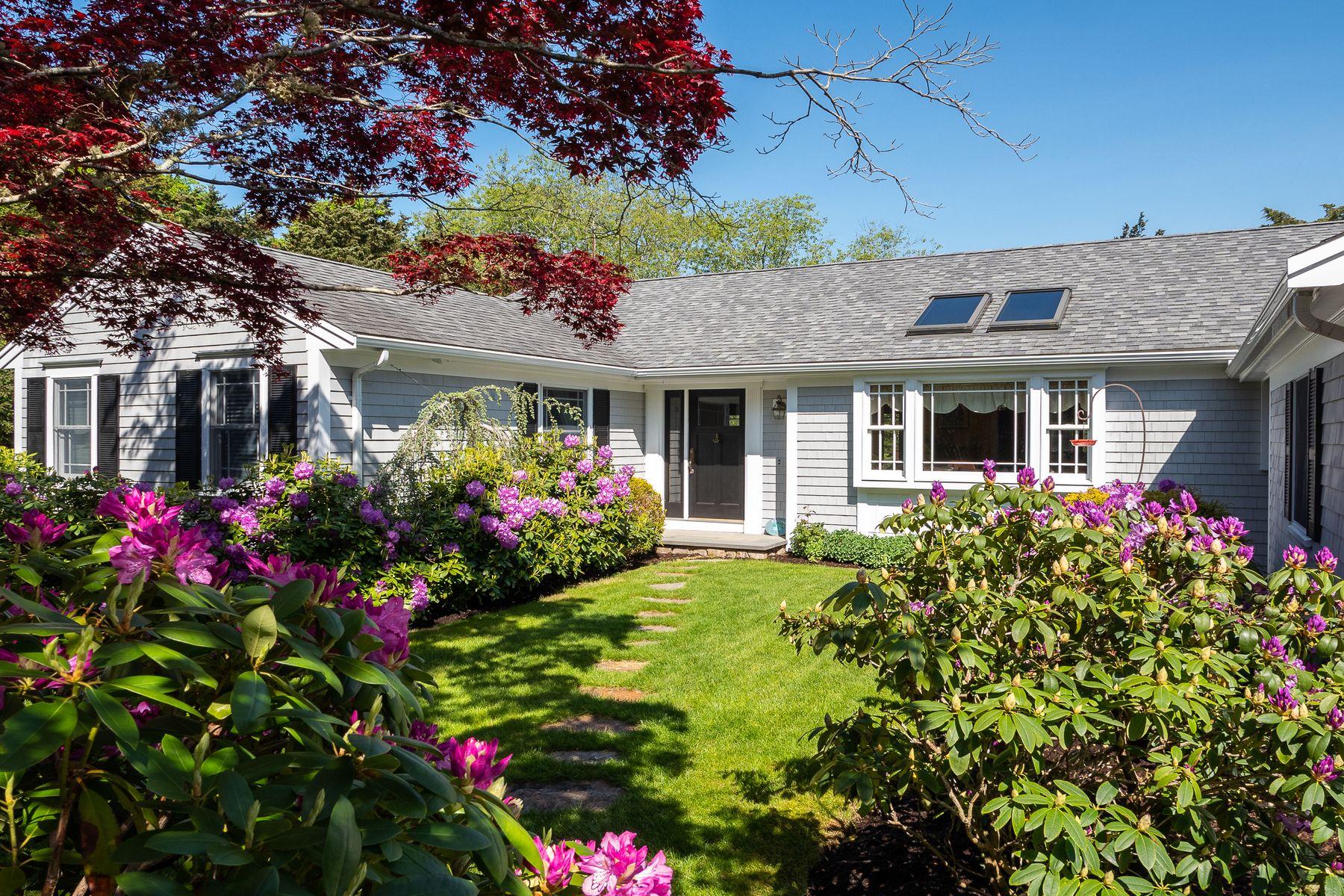 Single Family Homes 为 销售 在 23 Deely Lane, West Falmouth, MA 西法尔茅斯, 马萨诸塞州 02574 美国