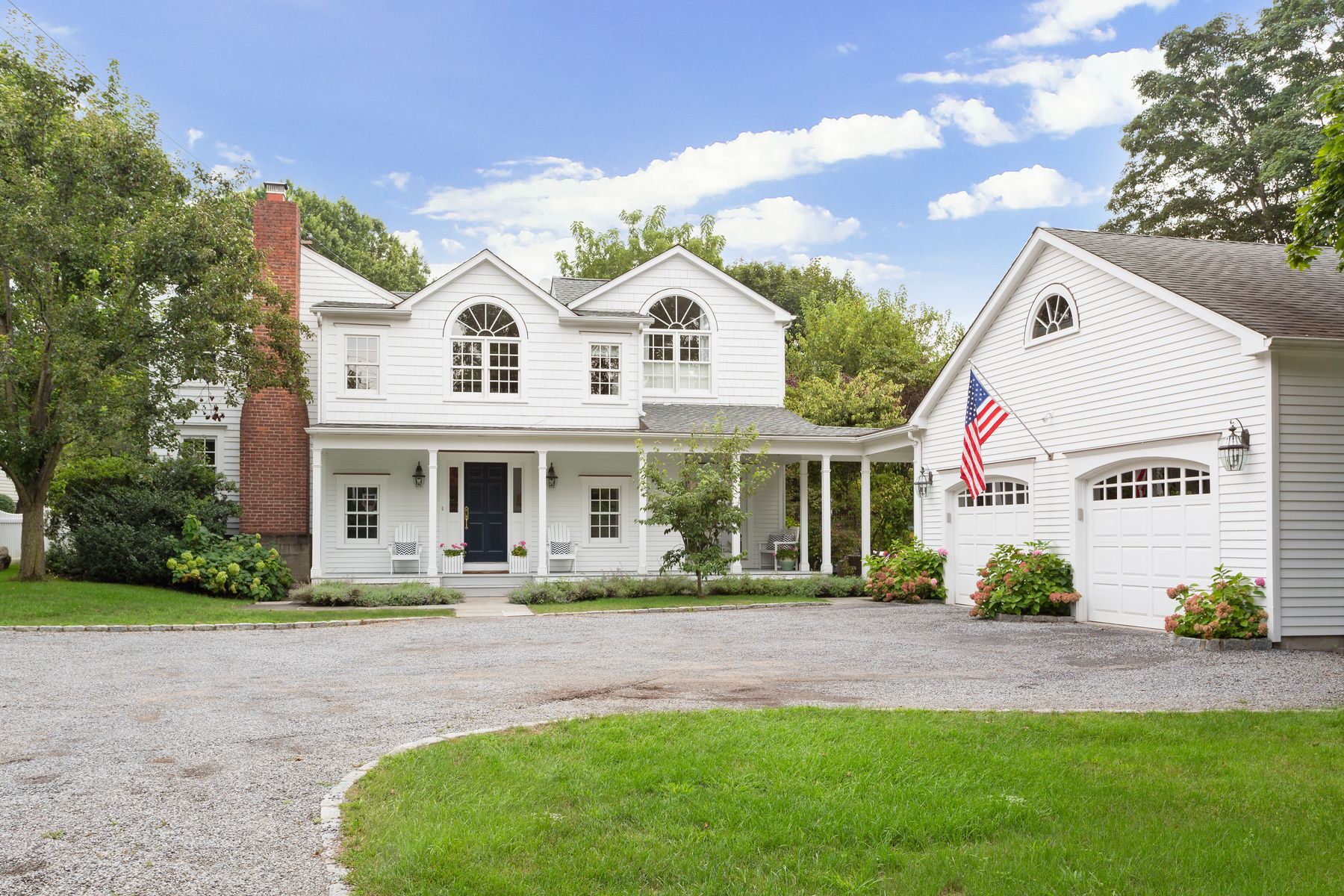Single Family Homes for Sale at Welcoming Farmhouse in Riverside 220 Riverside Avenue Riverside, Connecticut 06878 United States