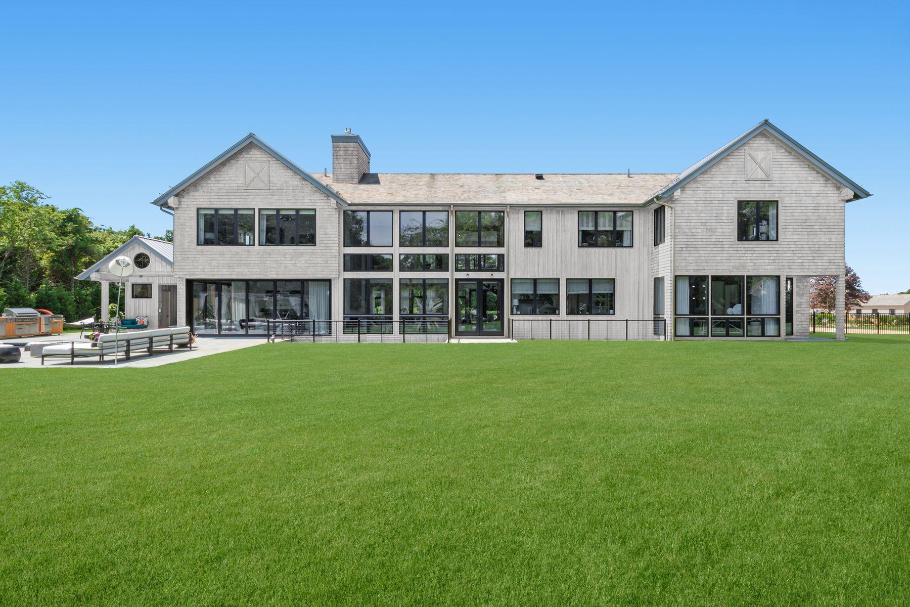 Single Family Homes für Verkauf beim GORGEOUS NEW SOUTH-OF THE-HIGHWAY MODERN 90 Wild Goose Lane, Water Mill, New York 11976 Vereinigte Staaten