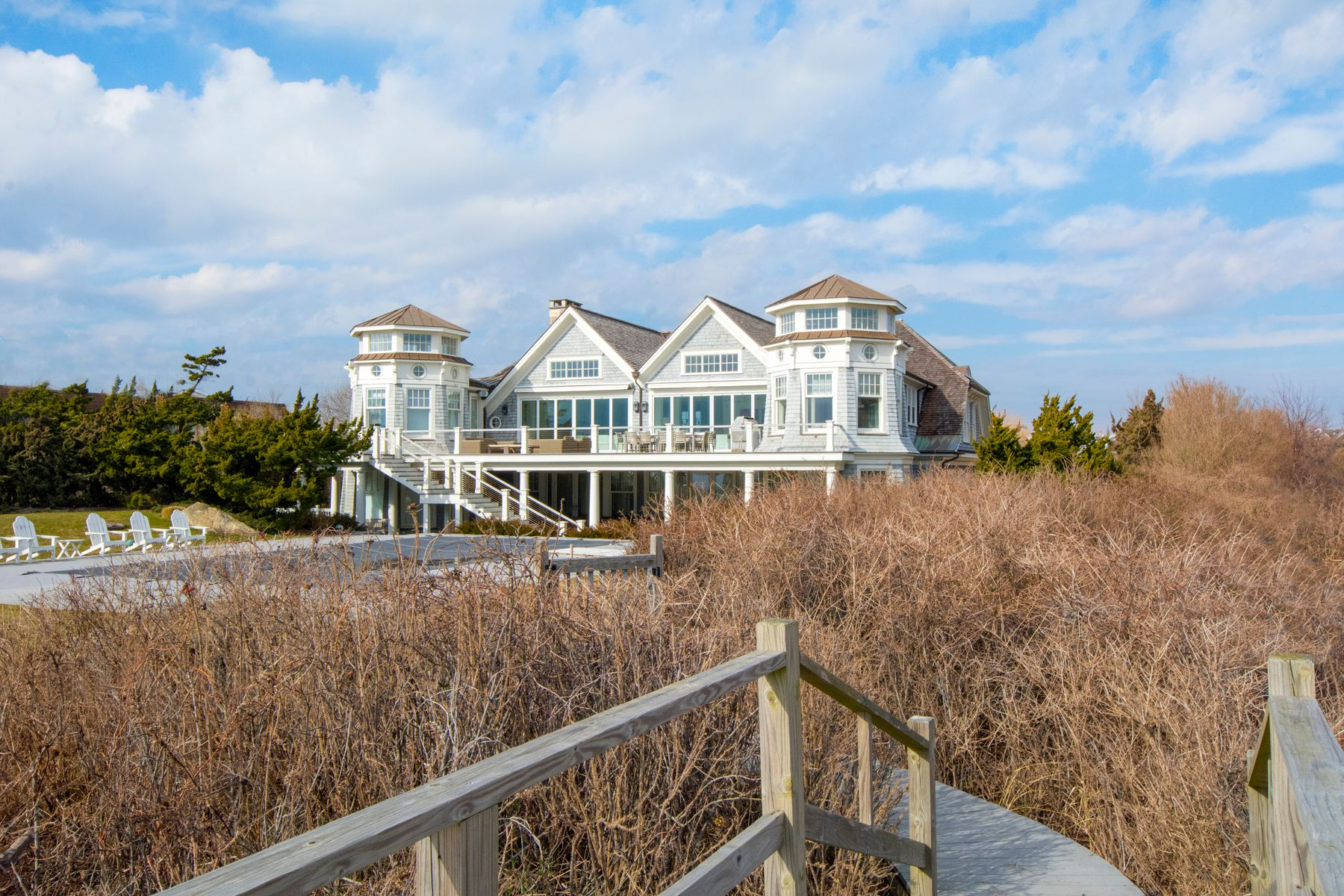 Single Family Homes for Rent at Bridgehampton Oceanfront 205 Surfside Drive Bridgehampton, New York 11932 United States