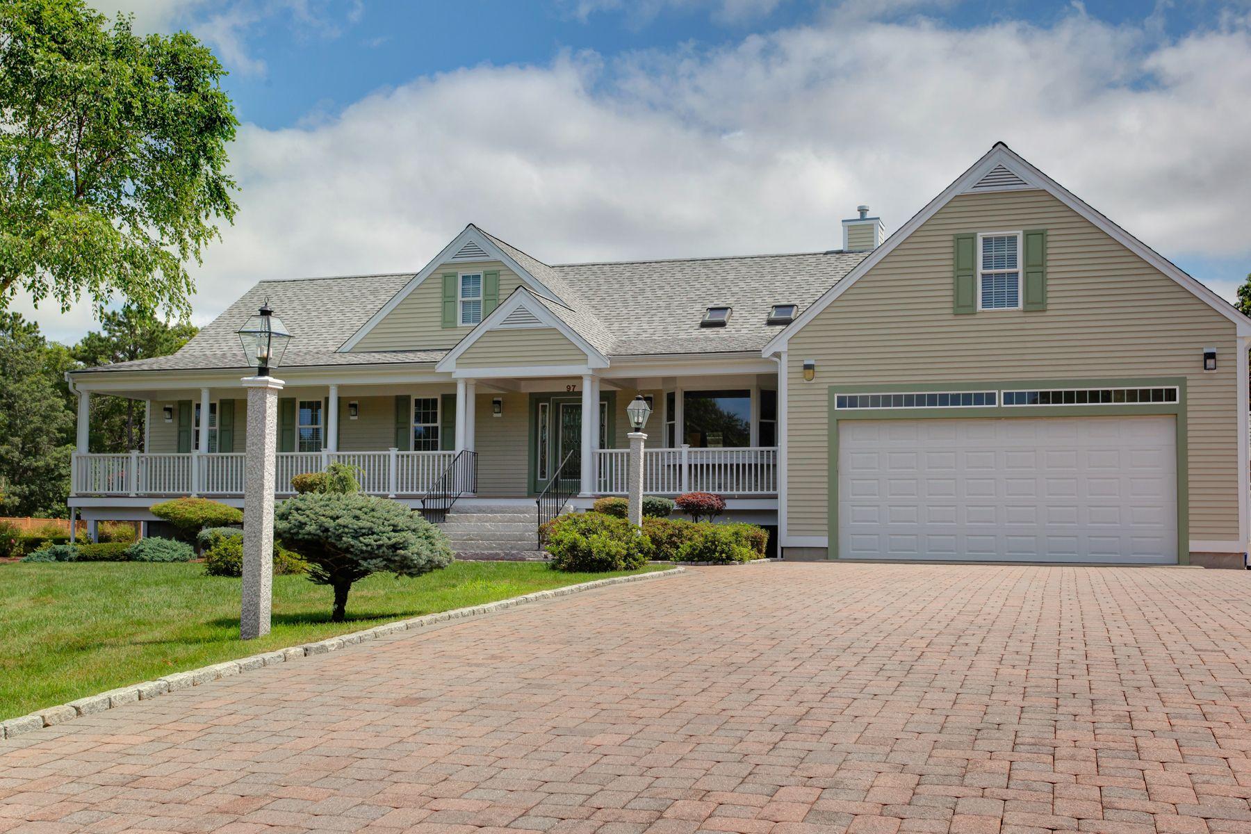 Single Family Homes 용 매매 에 East Falmouth, 매사추세츠 02536 미국