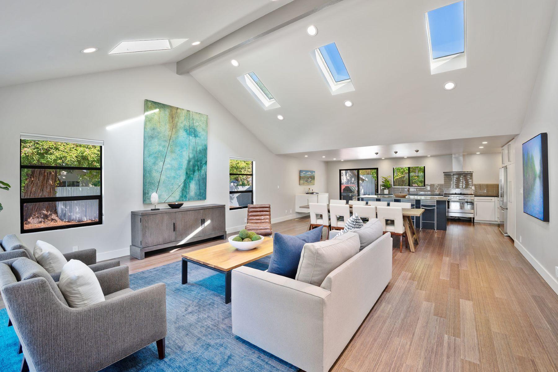 Single Family Homes por un Venta en Stunning Contemporary on 1+ Acre 122 Serres Dr Sonoma, California 95476 Estados Unidos