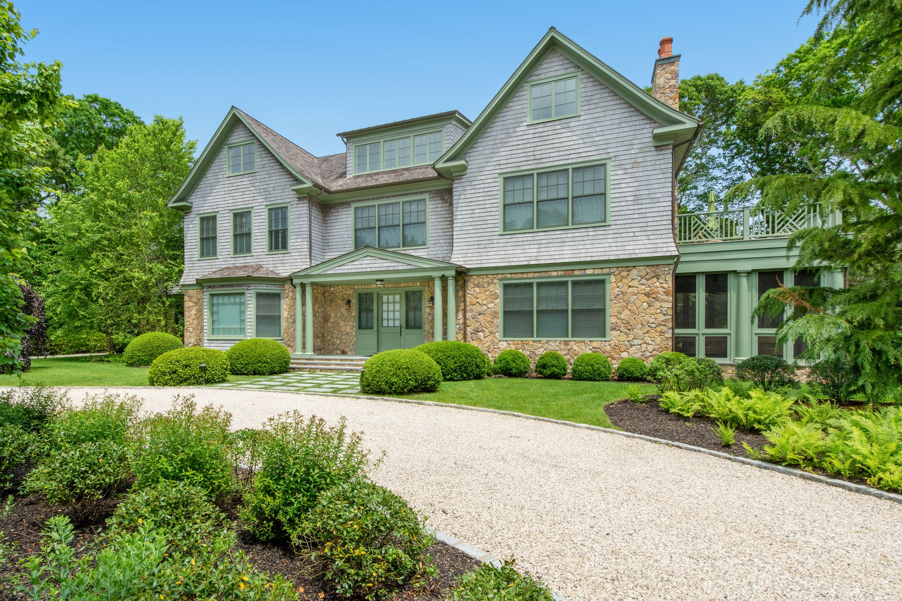 Single Family Homes for Active at NEW GORGEOUS ESTATE W/ BEACH ACCESS 49 Robertson Drive Sag Harbor, New York 11963 United States