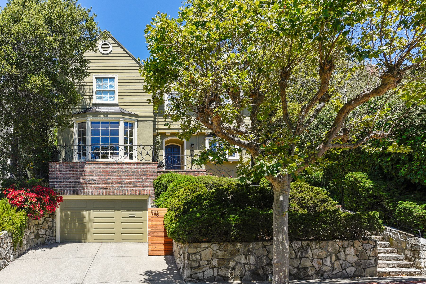 Single Family Homes for Sale at Enchanting and Exceptionally Enhanced 796 Rosemount Rd Oakland, California 94610 United States