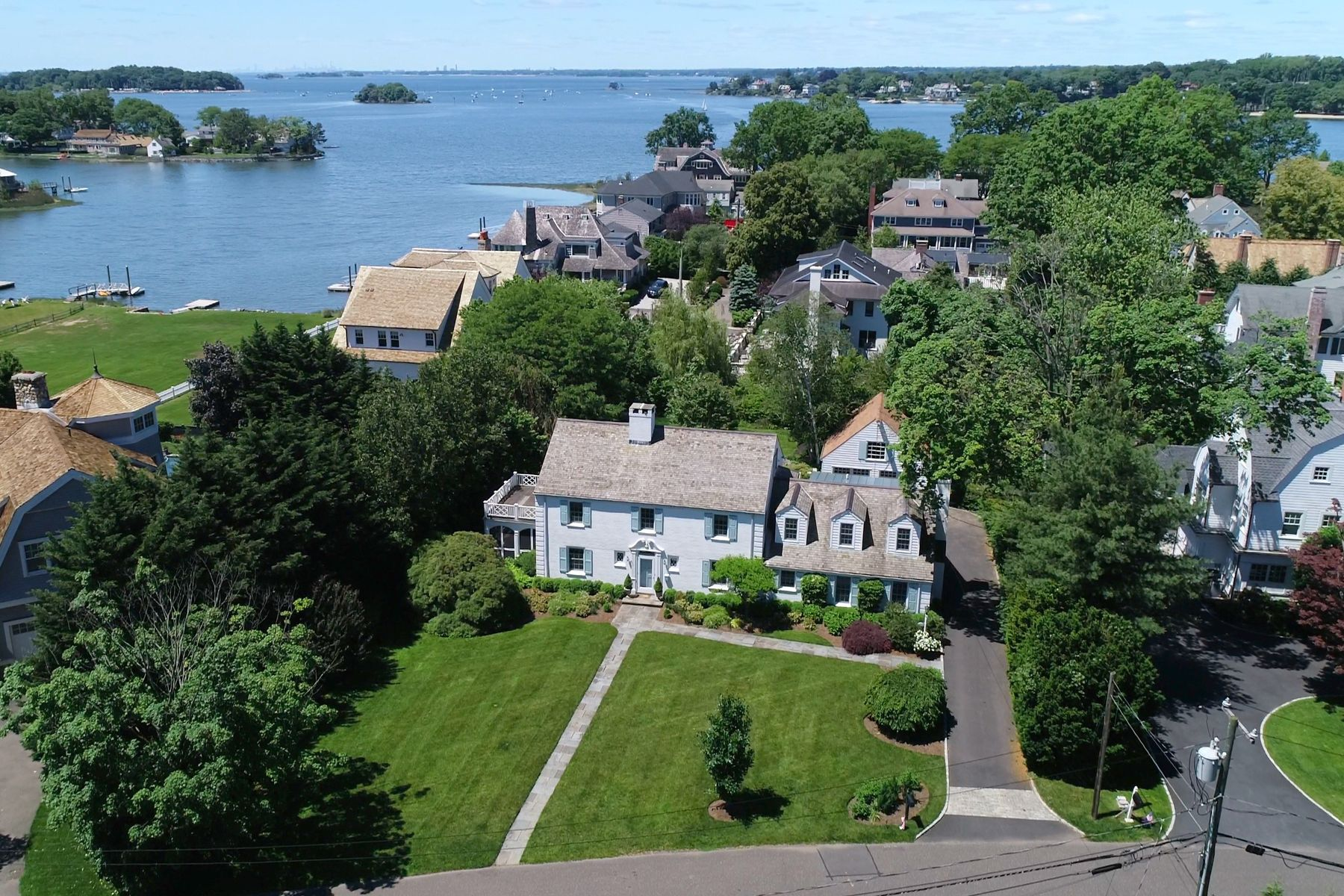 Single Family Homes for Sale at 7 Nawthorne Road Old Greenwich, Connecticut 06870 United States