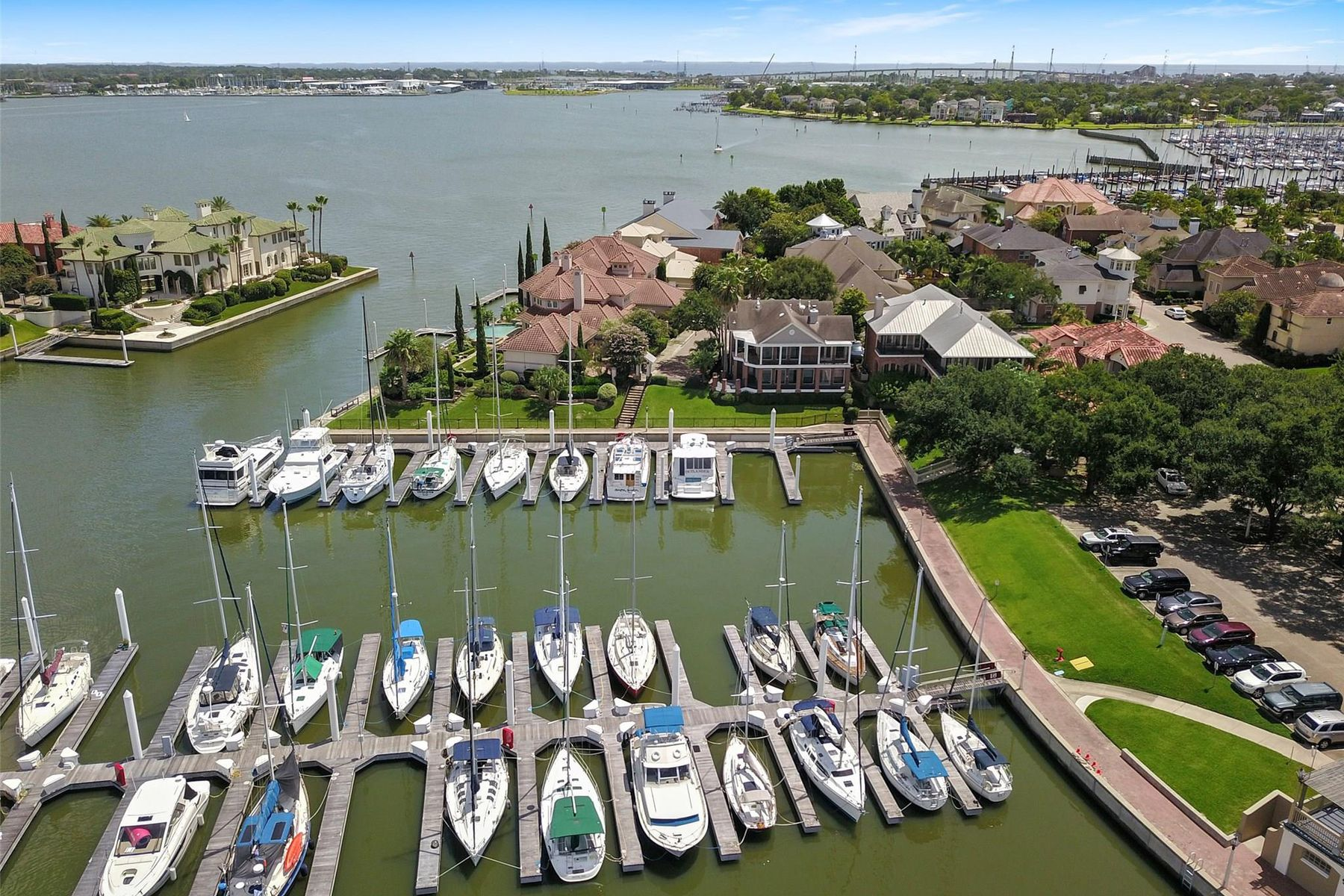 Single Family Homes for Active at 16 Mariners Lane Kemah, Texas 77565 United States