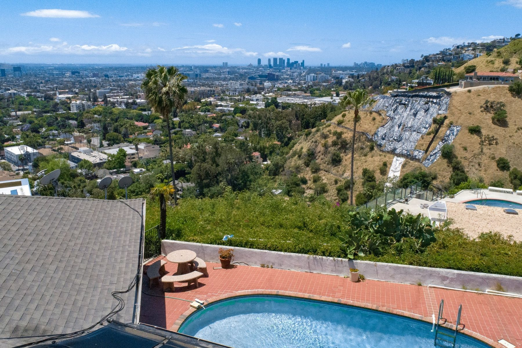 Single Family Homes for Sale at 1898 North Stanley Avenue Los Angeles, California 90046 United States