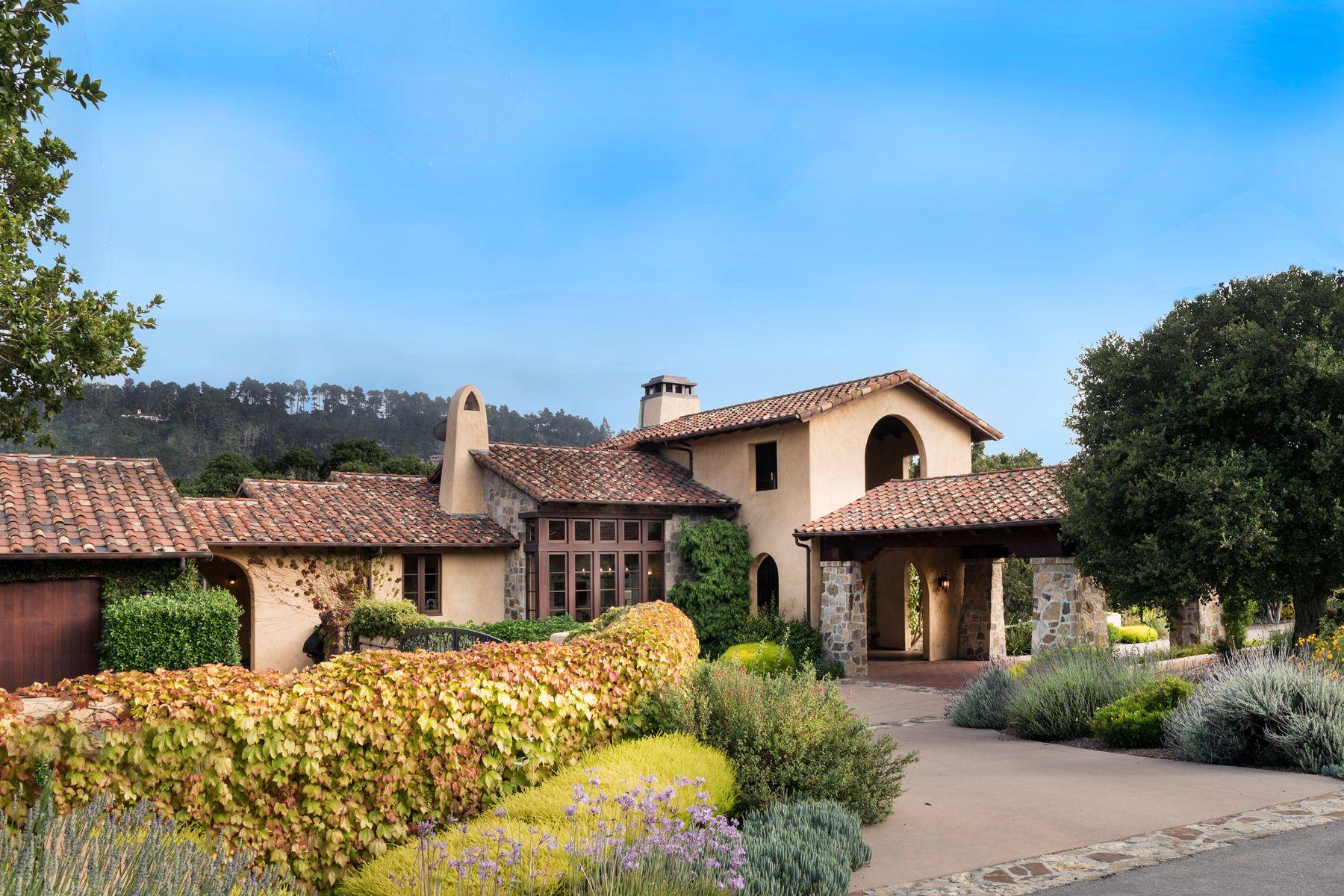 Other Residential Homes por un Venta en Andalusian Inspired Villa 7549 Canada Vista Court Monterey, California 93940 Estados Unidos