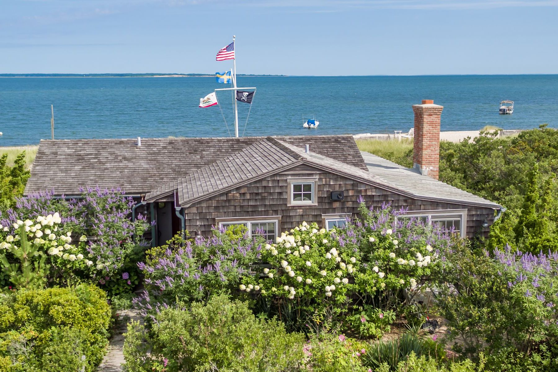 Single Family Homes for Sale at Idyllic Waterfront Cottage 204 Shore Road Amagansett, New York 11930 United States