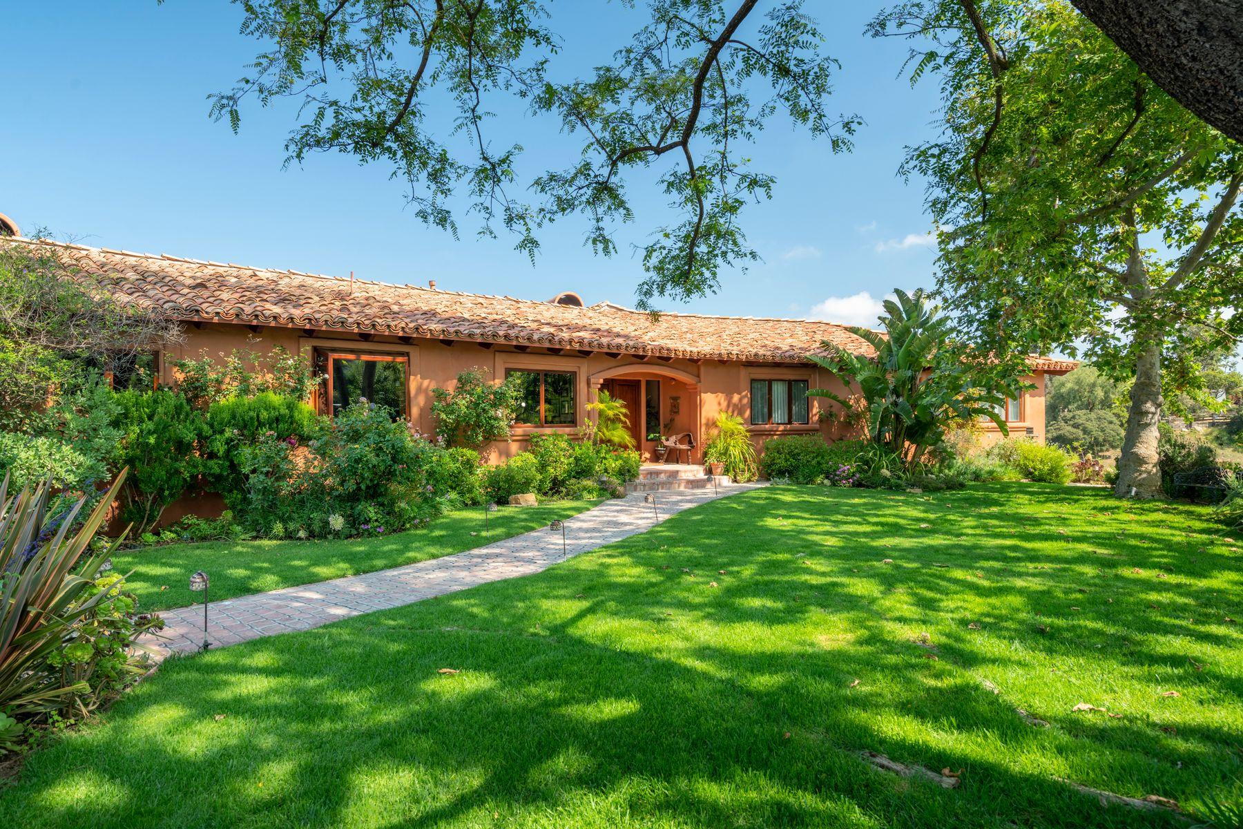 Other Residential Homes por un Venta en Topanga Estate with Pool on 15 Acres Topanga, California 90290 Estados Unidos