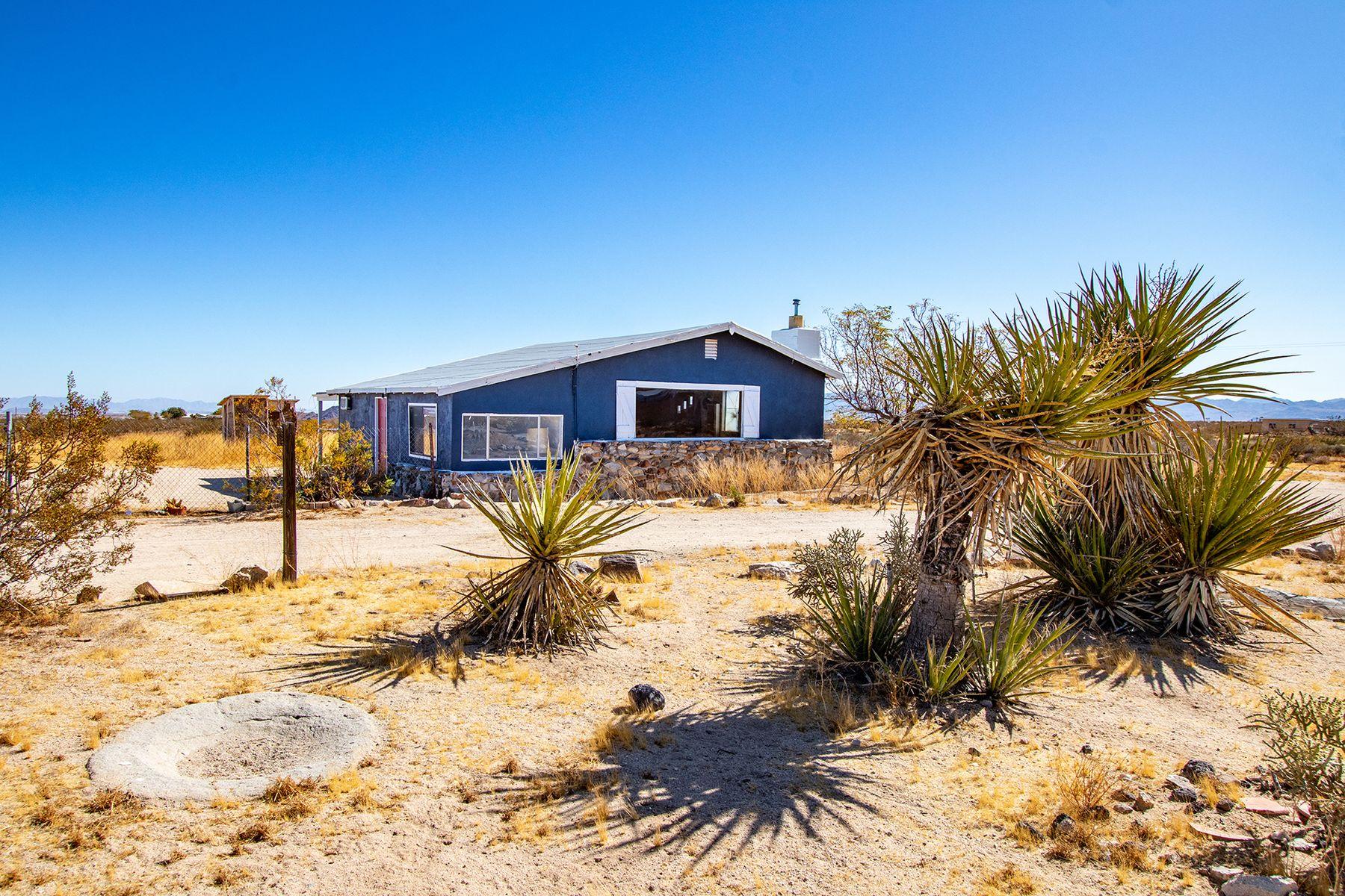Single Family Homes for Sale at 1523 Shangrila Lane Joshua Tree, California 92252 United States