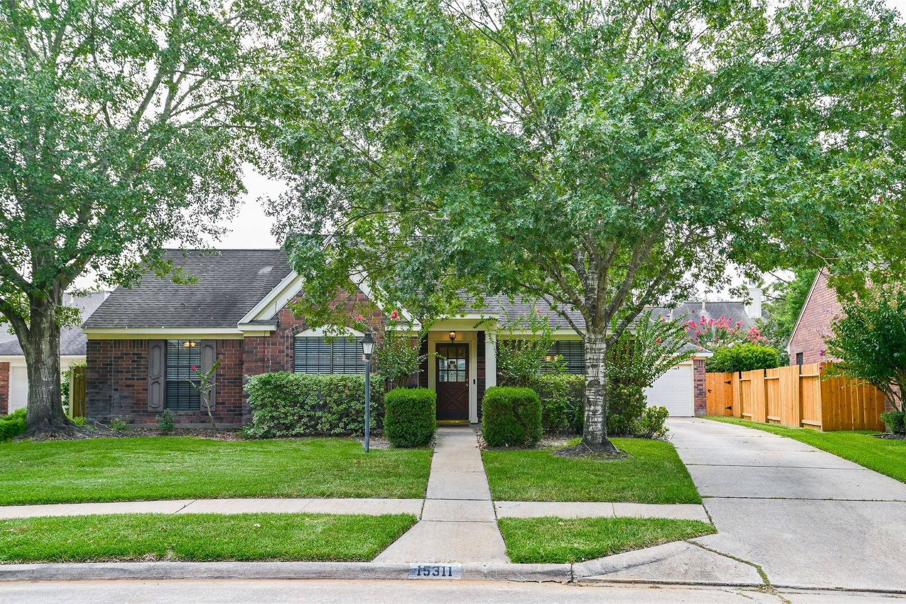 Single Family Homes for Sale at 15311 Evergreen Knoll Lane Cypress, Texas 77433 United States