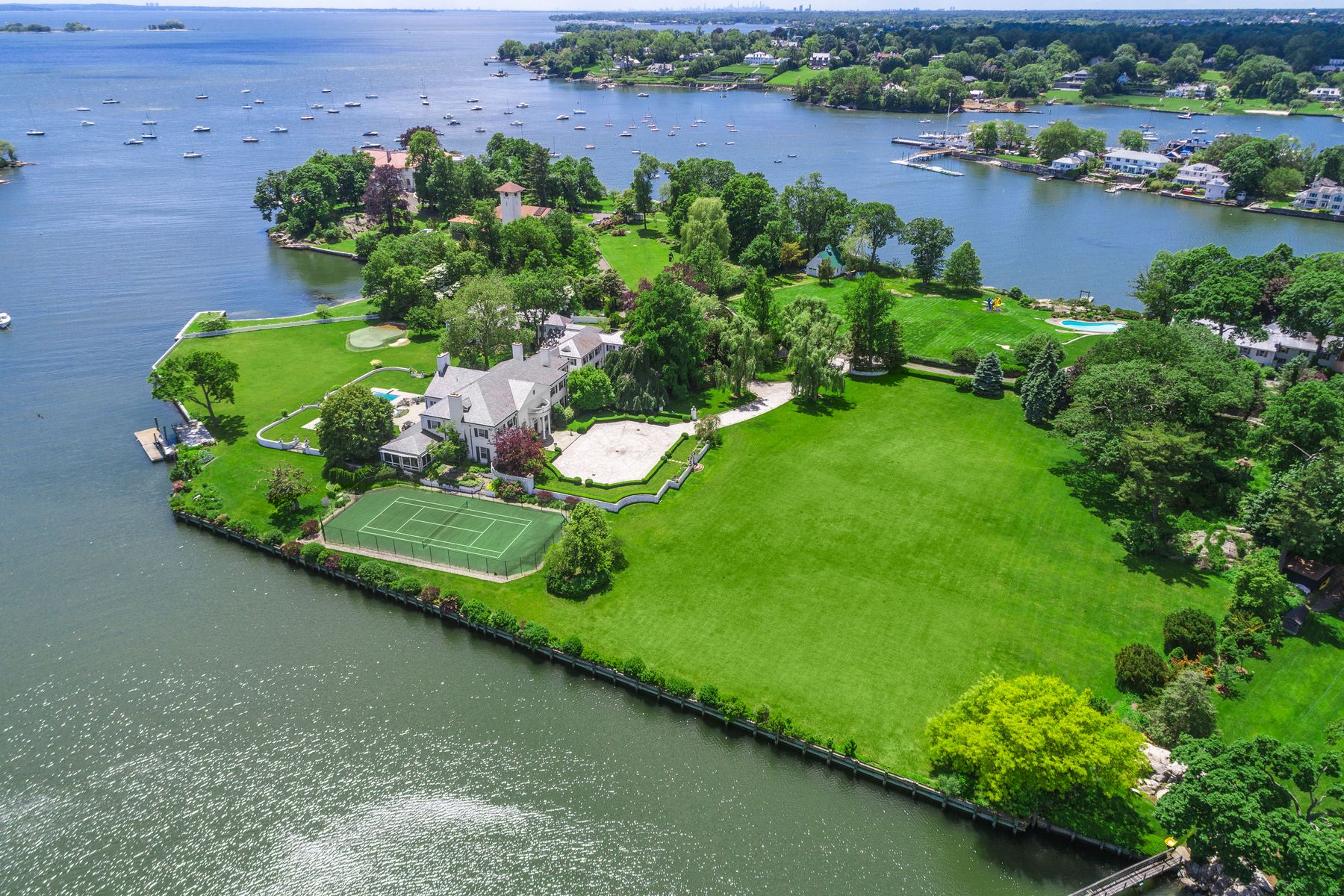 Single Family Homes for Sale at 21 Vista Drive Greenwich, Connecticut 06830 United States