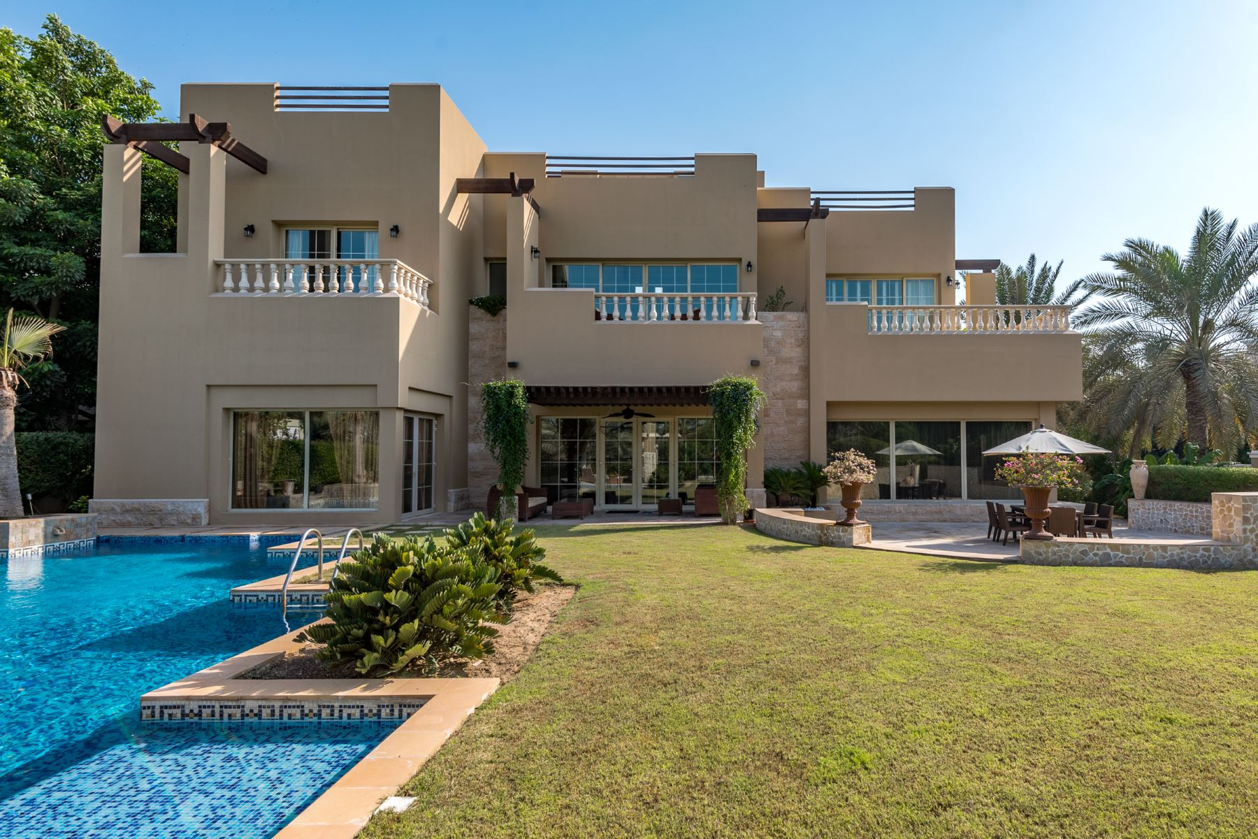 Other Residential Homes için Satış at Luxurious Villa Full Golf Views Sector R Dubai, Dubai Birleşik Arap Emirlikleri