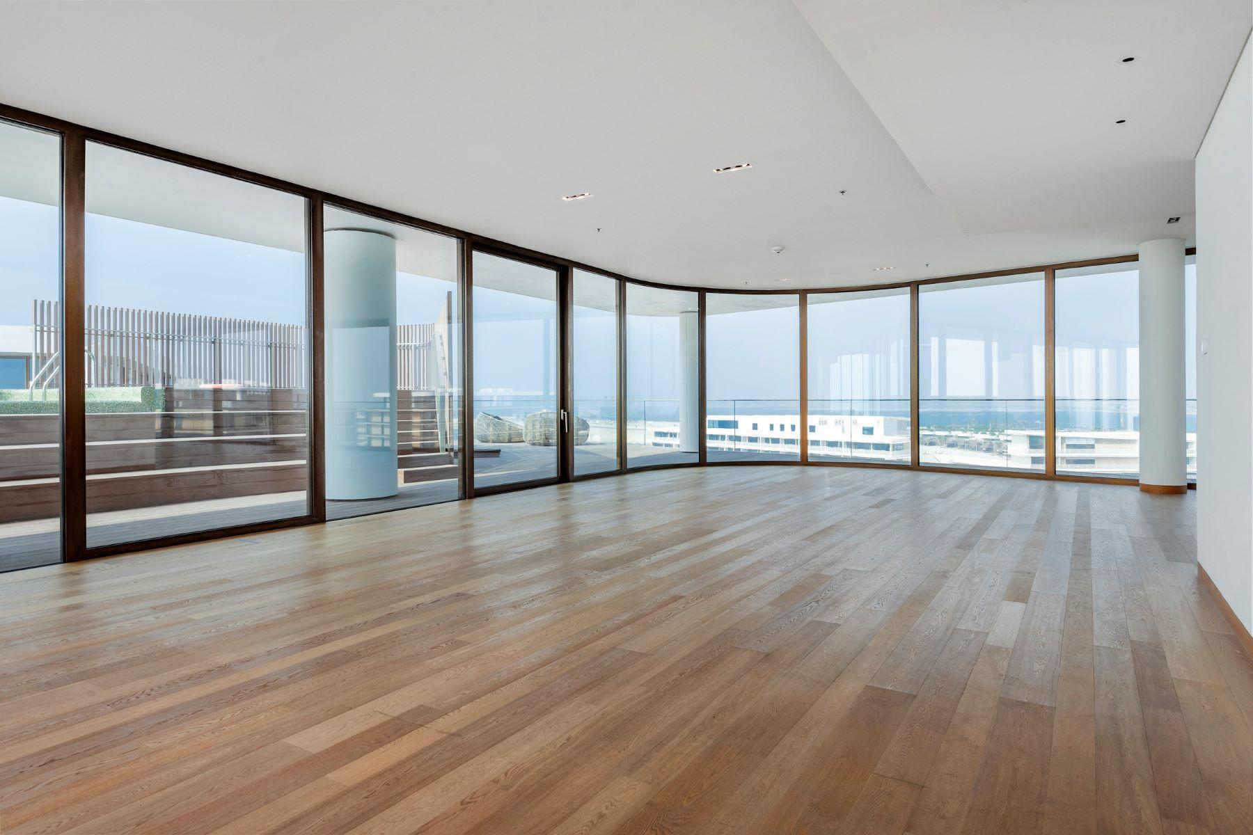 Apartments for Rent at 4 Bedroom Rare Full Floor Bvlgari Penthouse. Dubai, Dubai United Arab Emirates