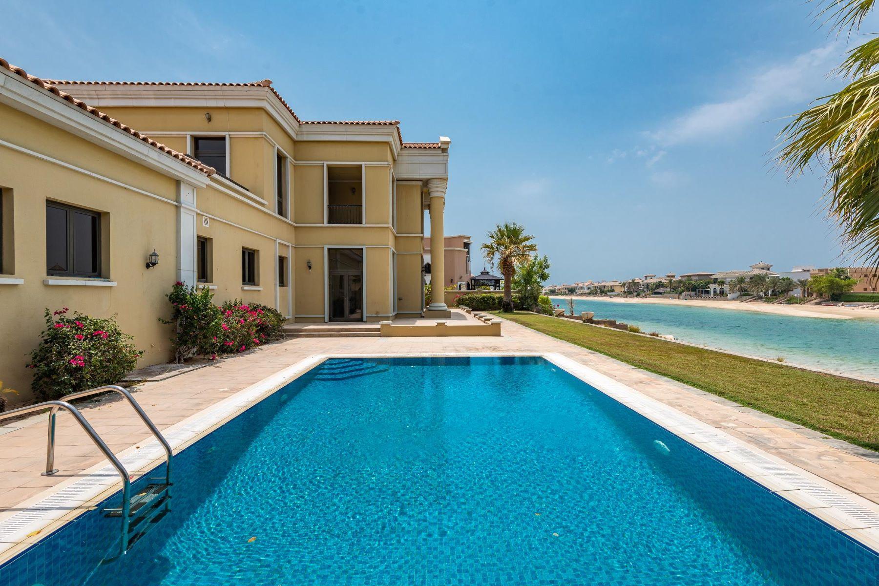 Other Residential Homes pour l Vente à Best Price European Style Waterfront Living Dubai, Dubaï Émirats Arabes Unis