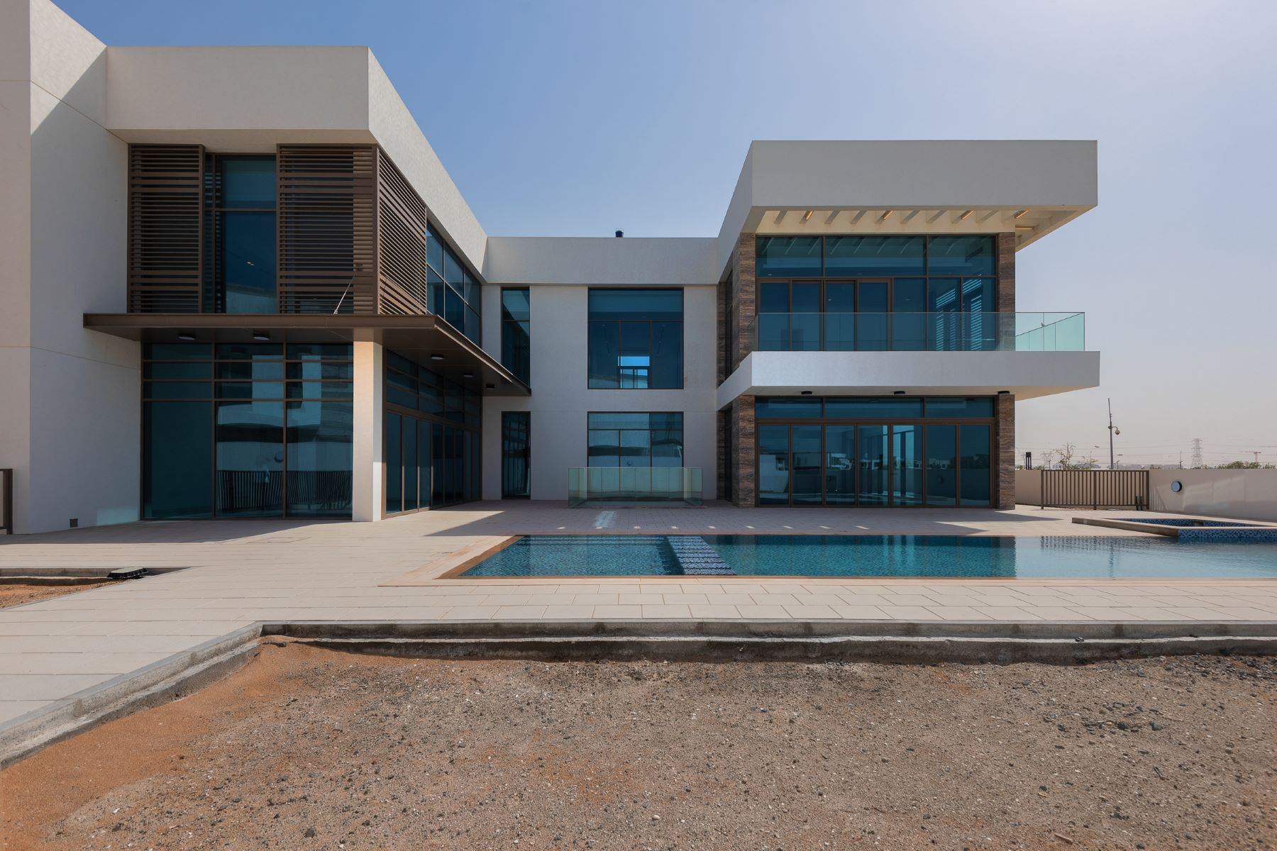 Other Residential Homes للـ Sale في Contemporary Mansion Facing The Crystal Lagoon Dubai, Dubai United Arab Emirates