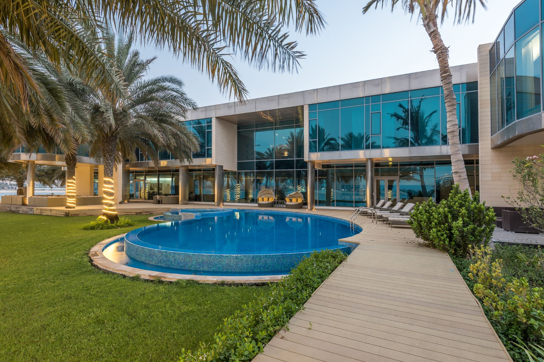 Additional photo for property listing at Private Palm Jumeirah Beachfront Palace Dubai, Dubai Emirados Árabes Unidos