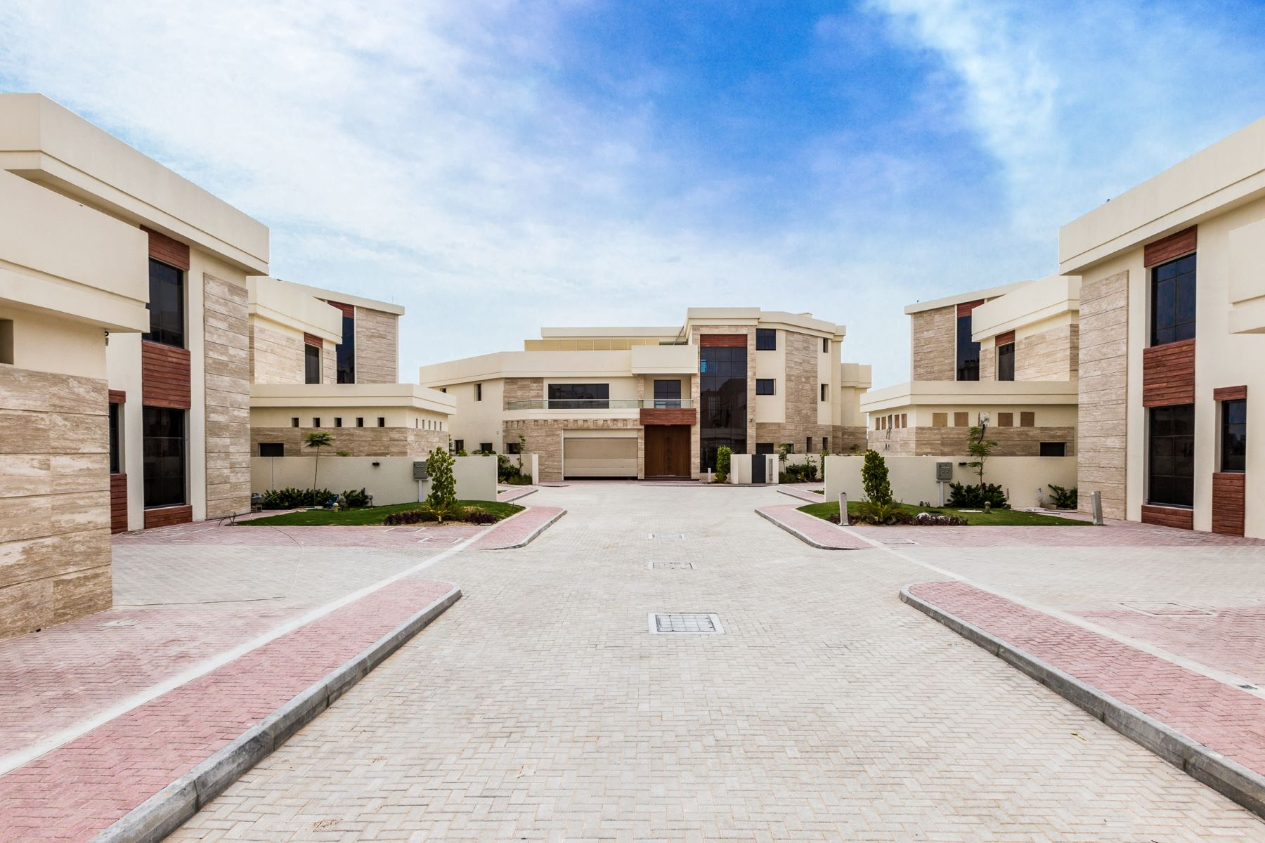 Other Residential Homes para Venda às VIP Frond 4 Luxury Villas Tip Location Dubai, Dubai Emirados Árabes Unidos