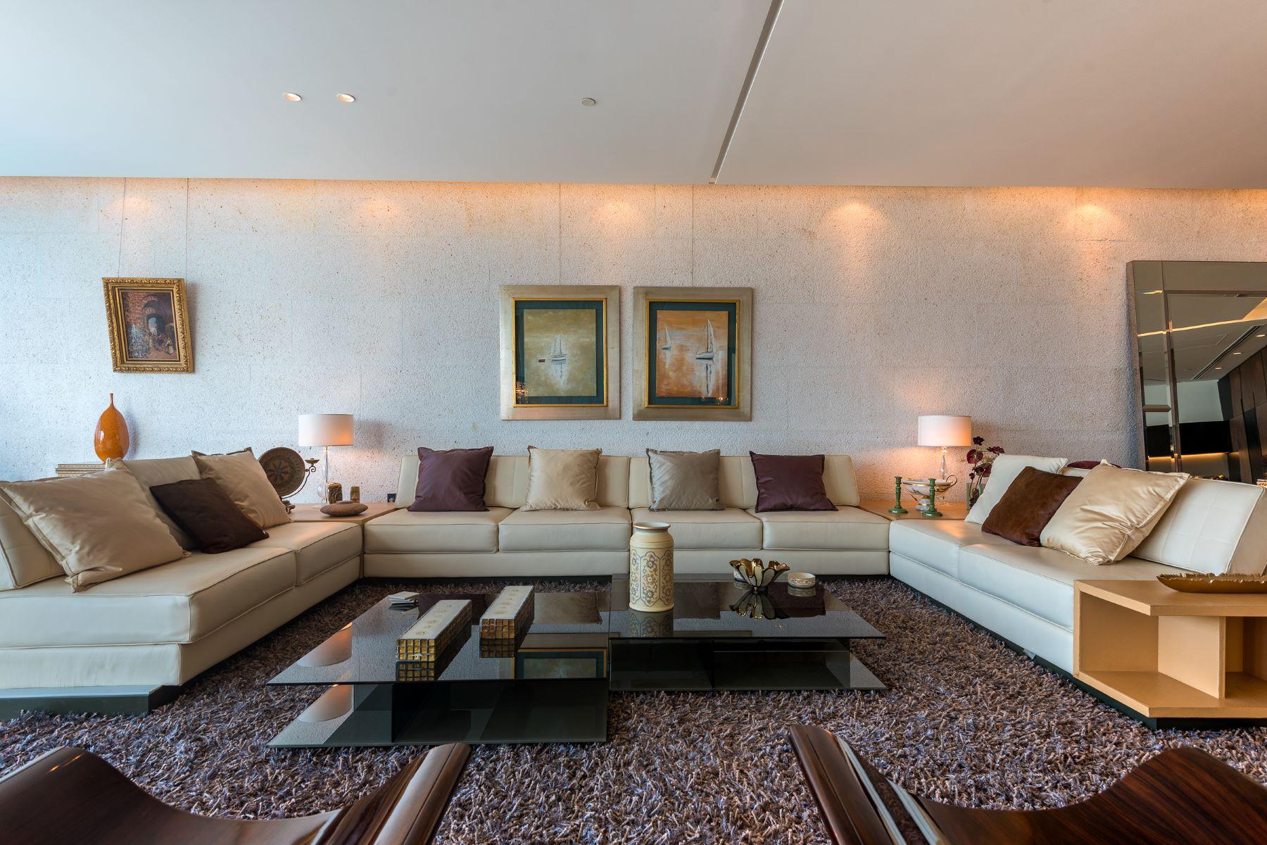 Apartments for Sale at Luxury, Full Floor Apartment with Canal and Burj Khalifa Views Dubai, Dubai United Arab Emirates