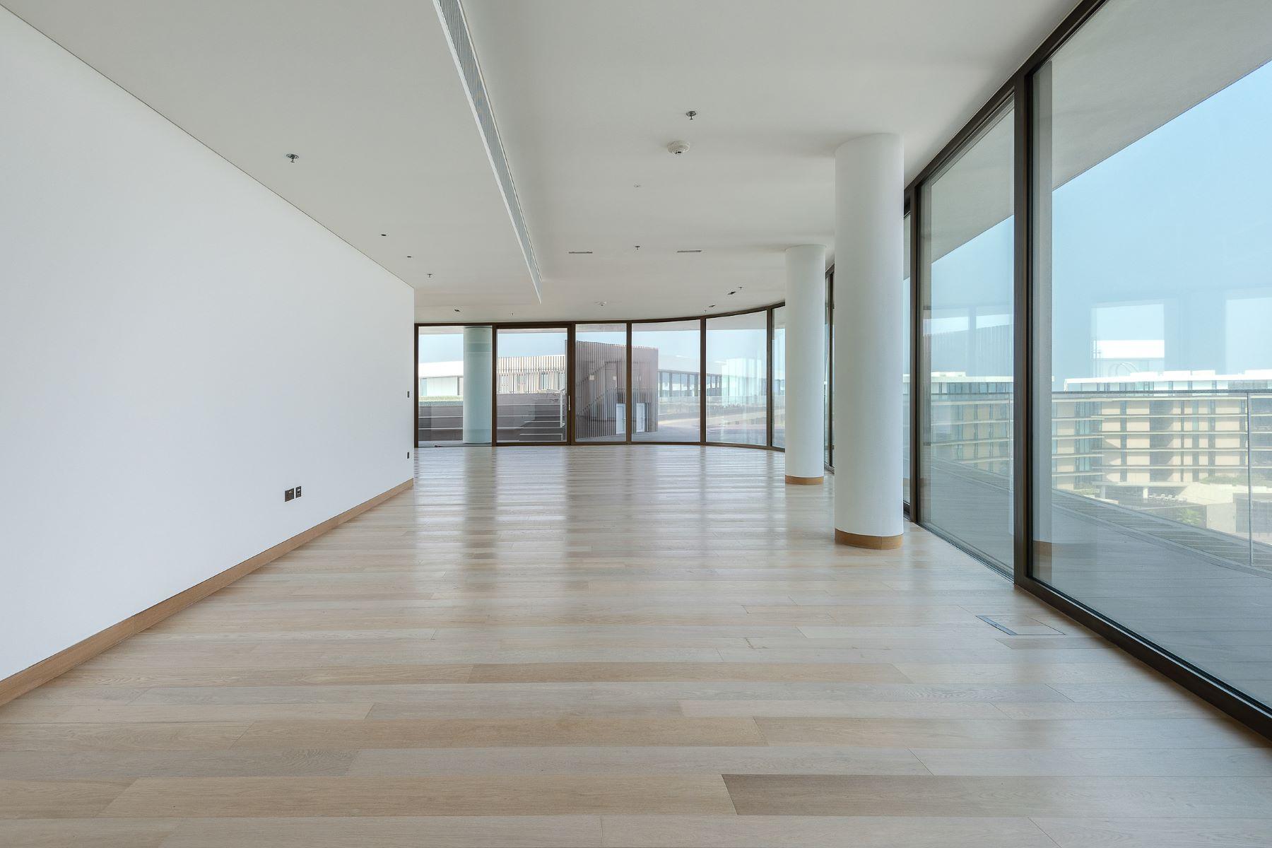 Apartments for Sale at ElegantFull FloorLuxurious Penthouse Dubai, Dubai United Arab Emirates
