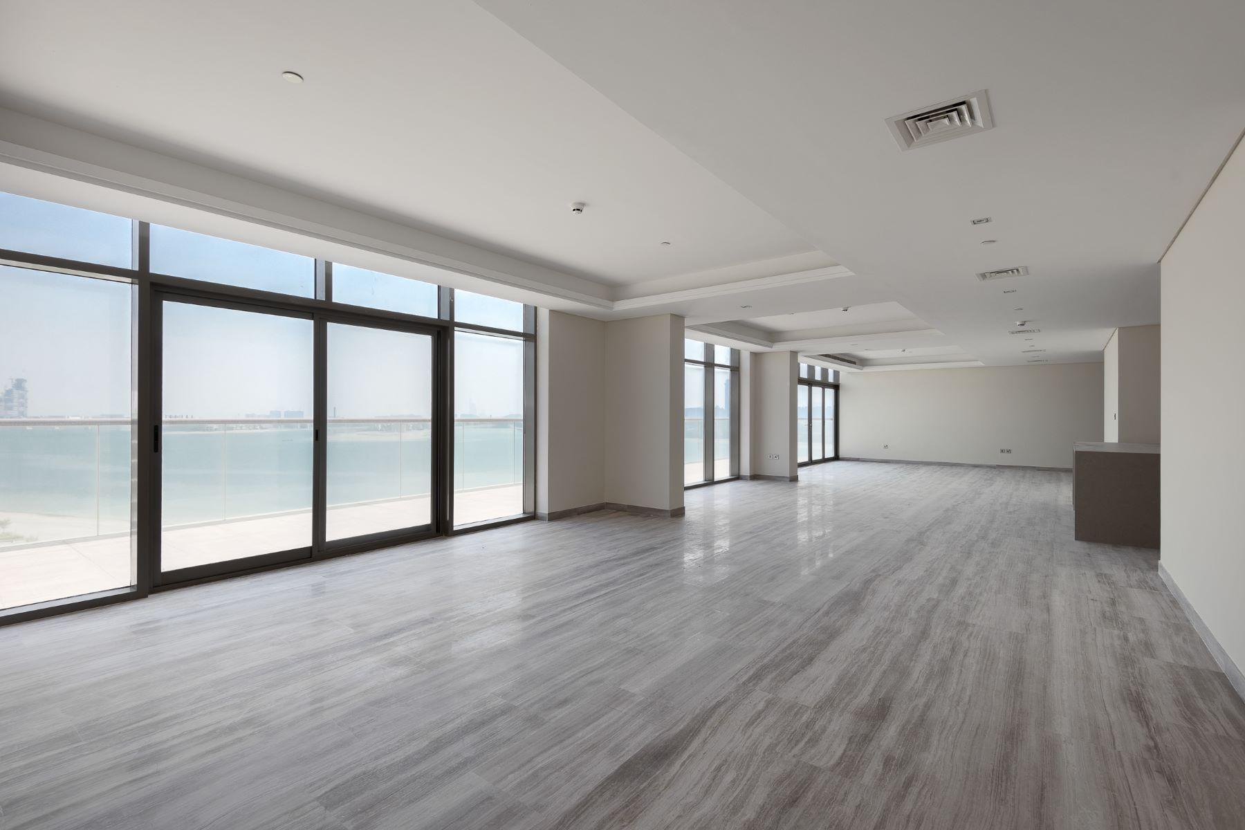Apartments pour l Vente à Brand New Beachfront Penthouse with Panoramic Views of the Palm Dubai, Dubaï Émirats Arabes Unis