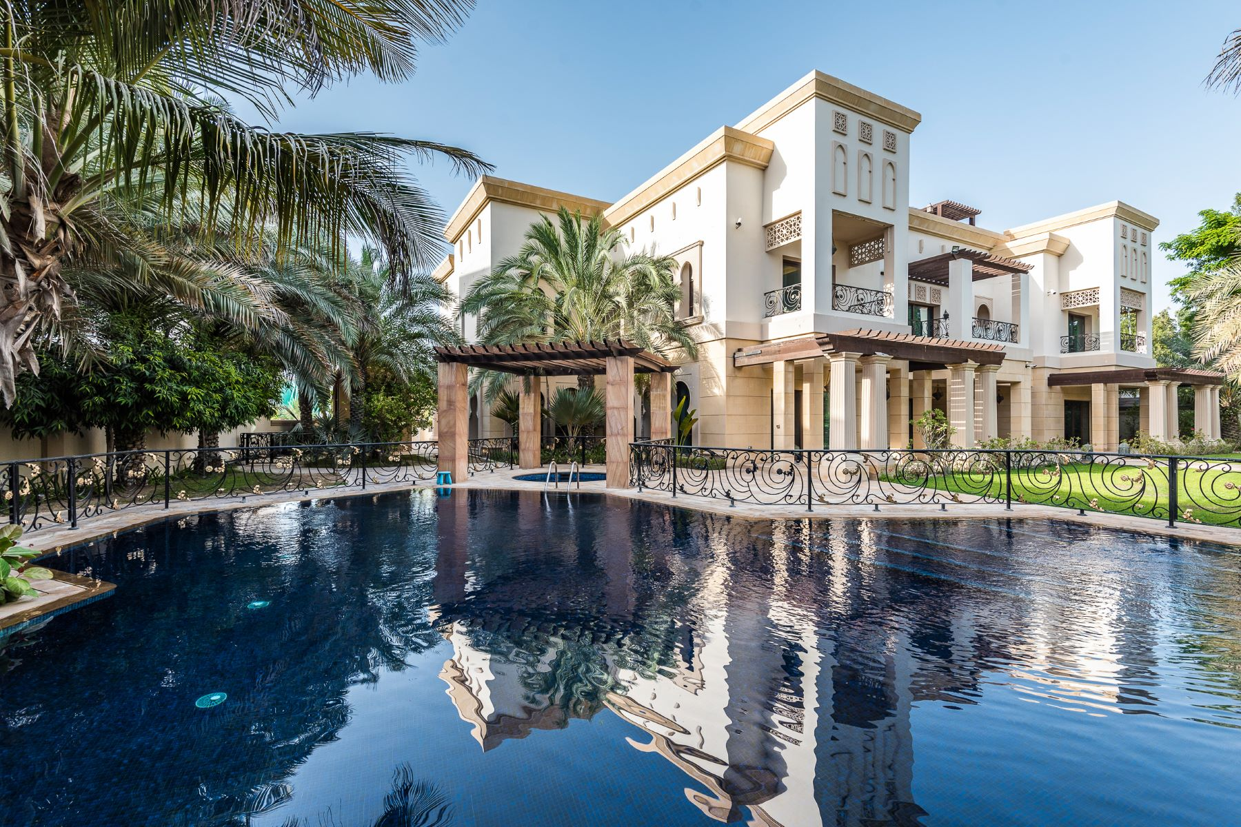 Other Residential Homes for Sale at Full Golf Course Views Family Villa EH Dubai, Dubai United Arab Emirates